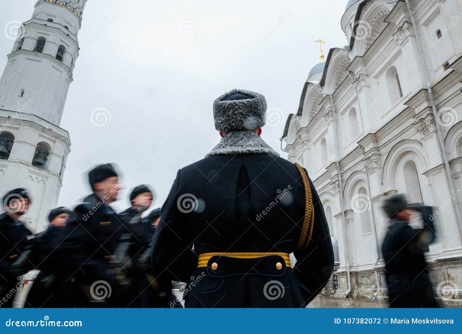 Za paradą Prezydencki pułk usługa Moskwa Kremlin's Commandant