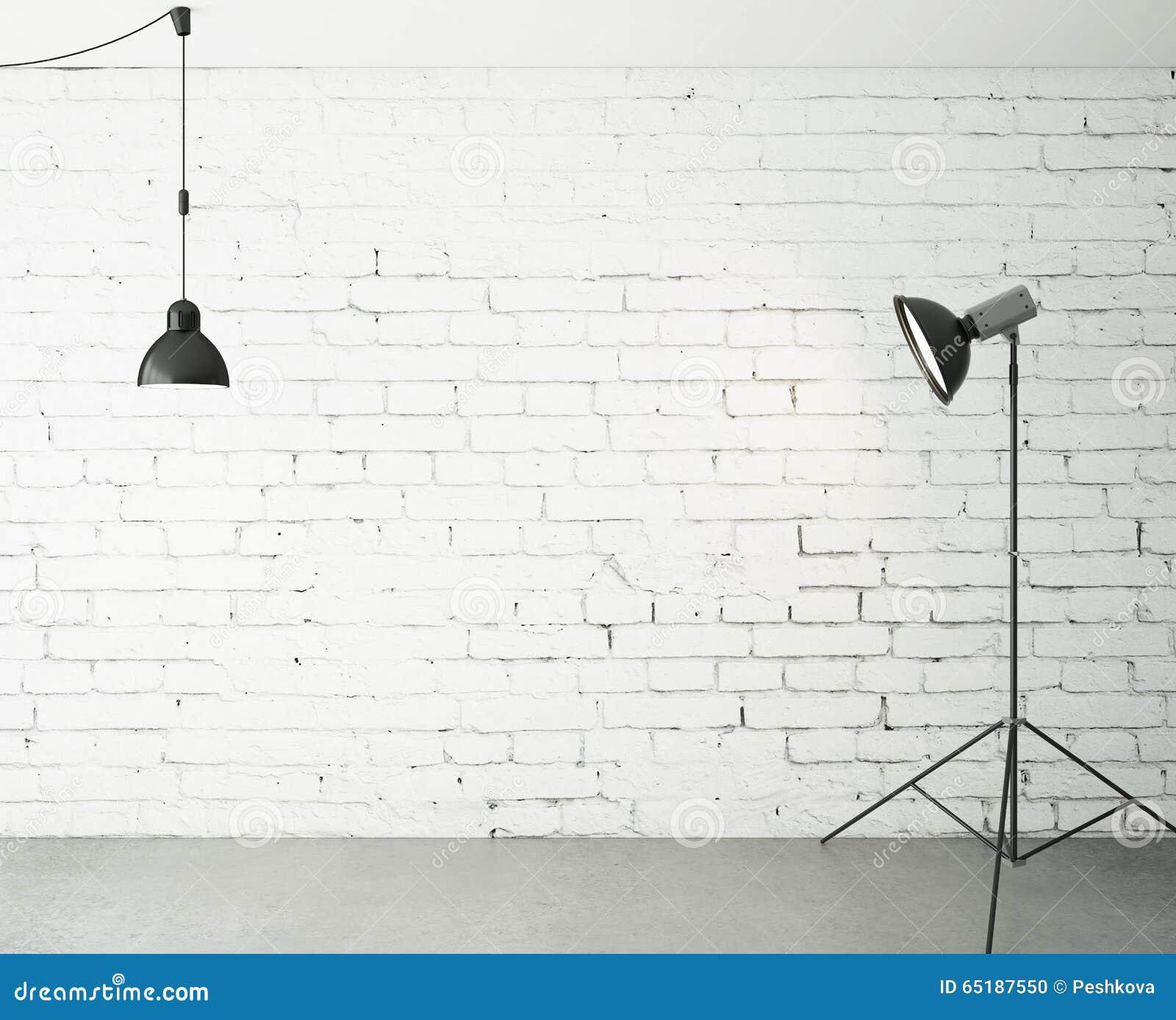 Zaal met schijnwerper en lamp