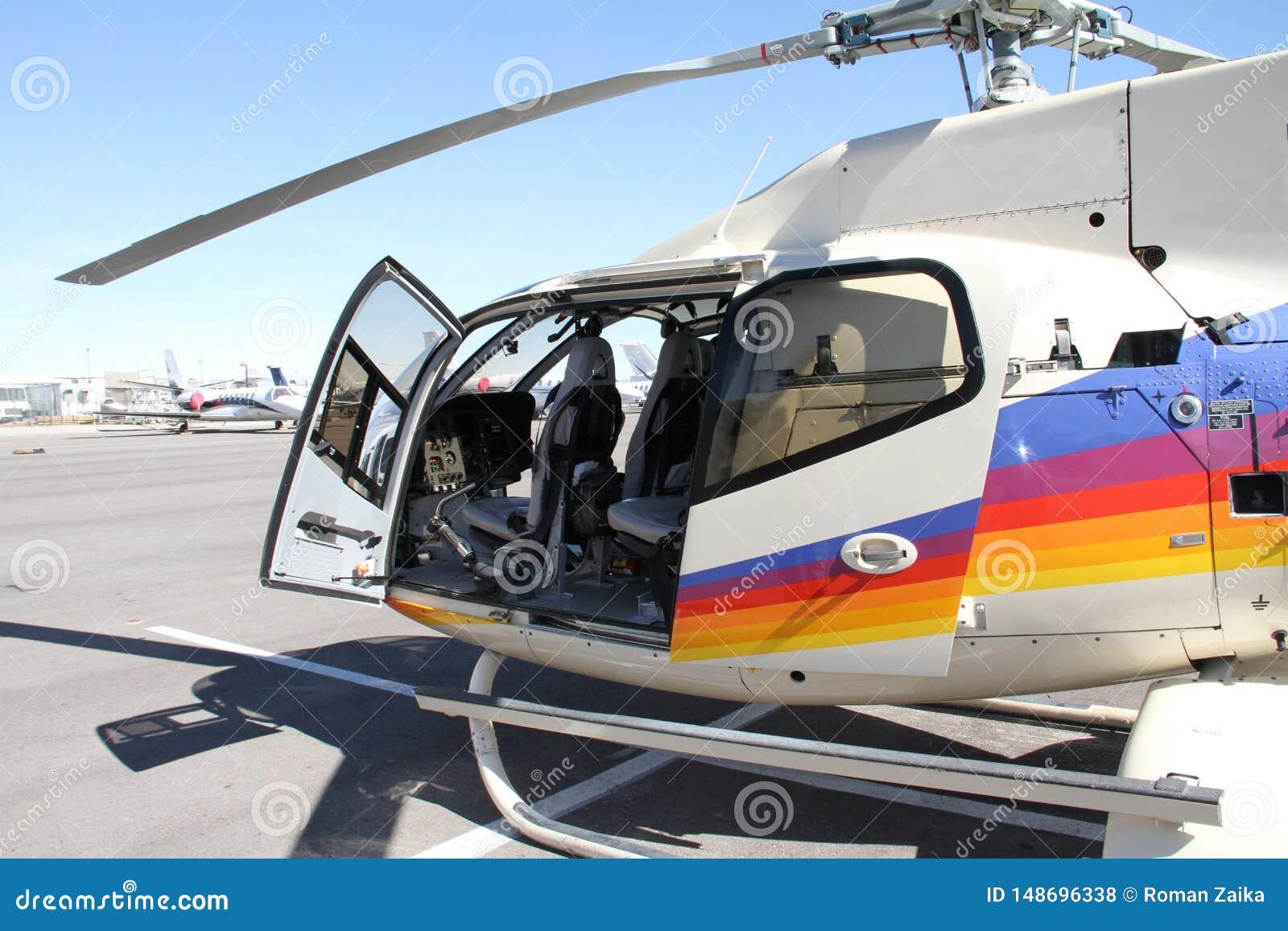 Zaawansowany technicznie węgla jednosilnikowy lekki helikopter dla przedsiębiorców i przygod