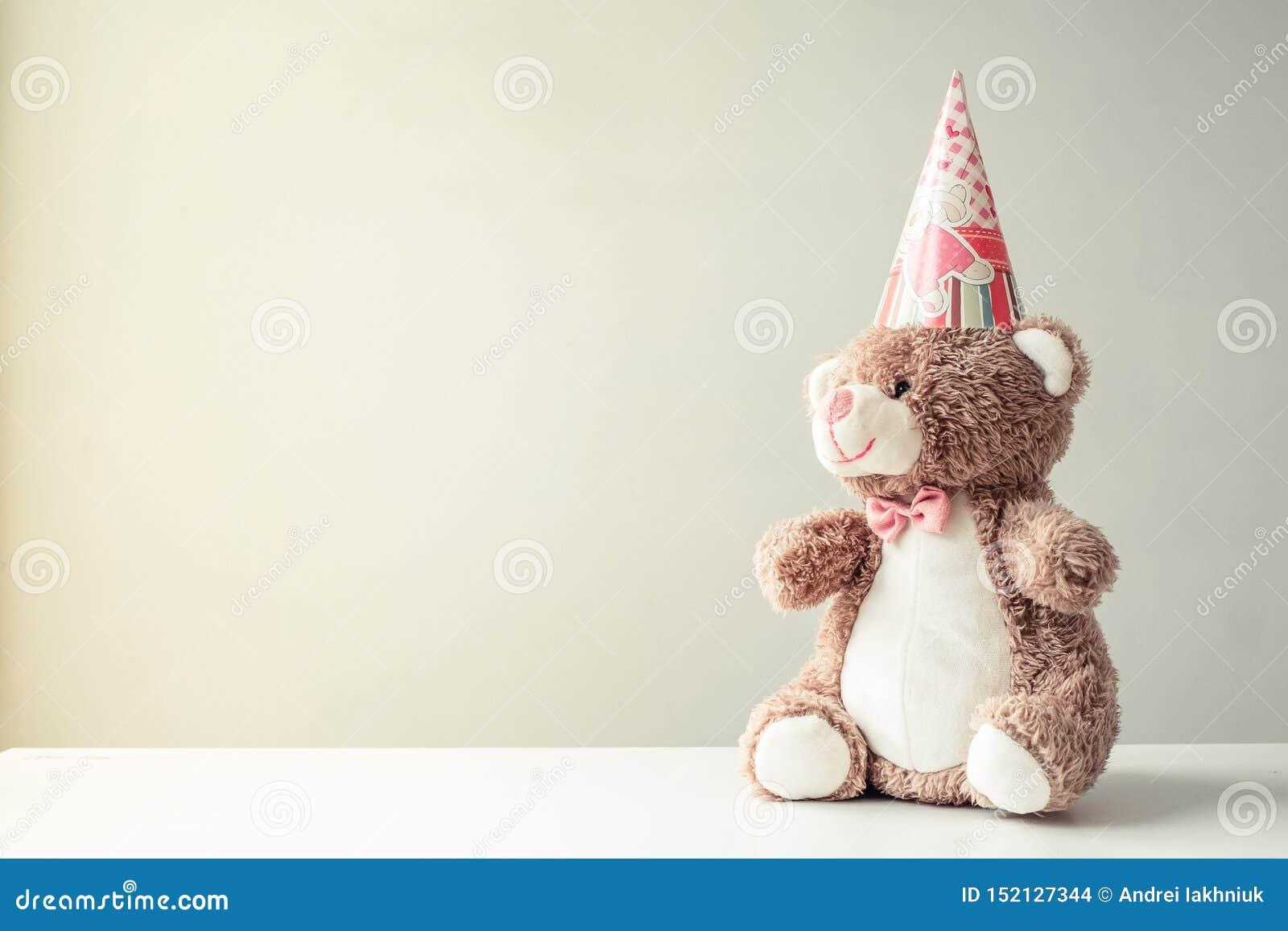 Zabawkarski niedźwiadkowy handmade w kapiszonie dla urodziny