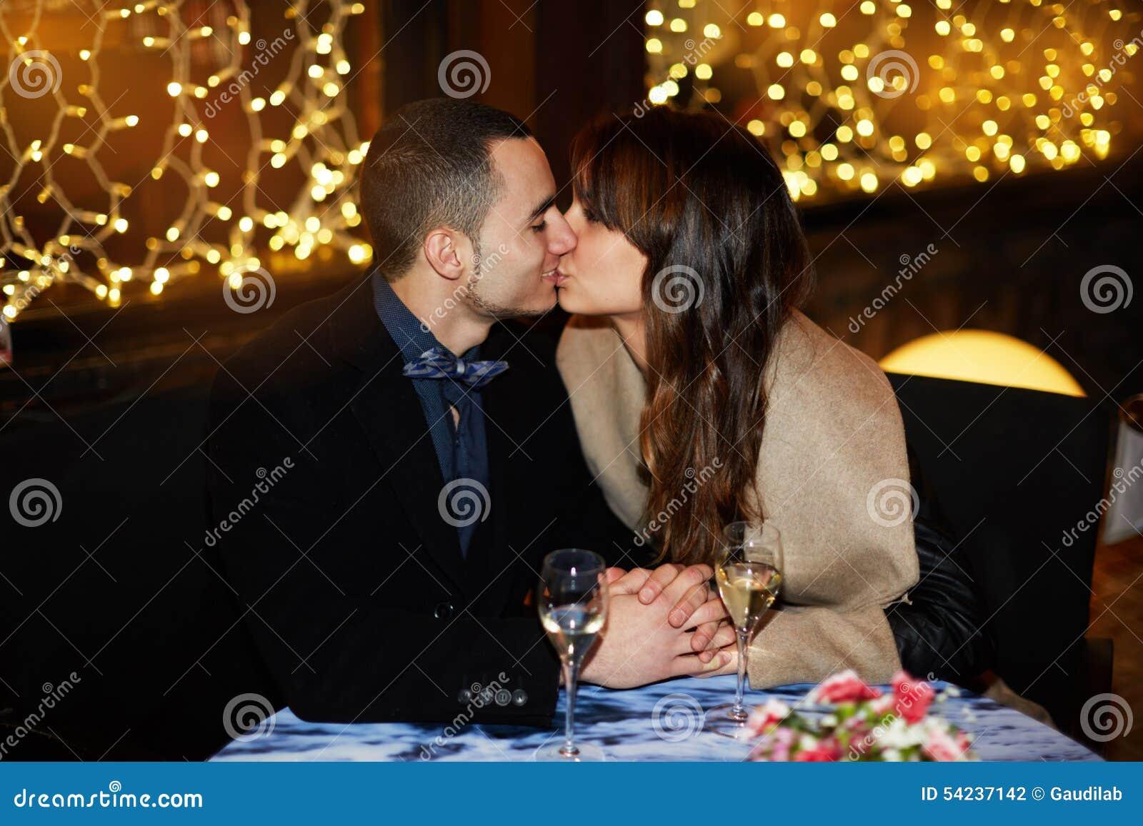 Zachte kus van twee minnaars