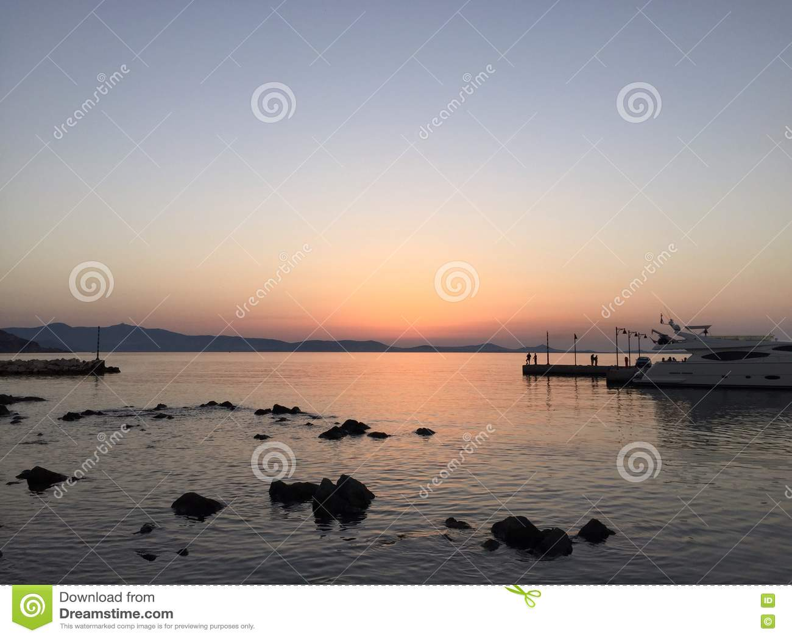 Zaciszność, pokojowy port