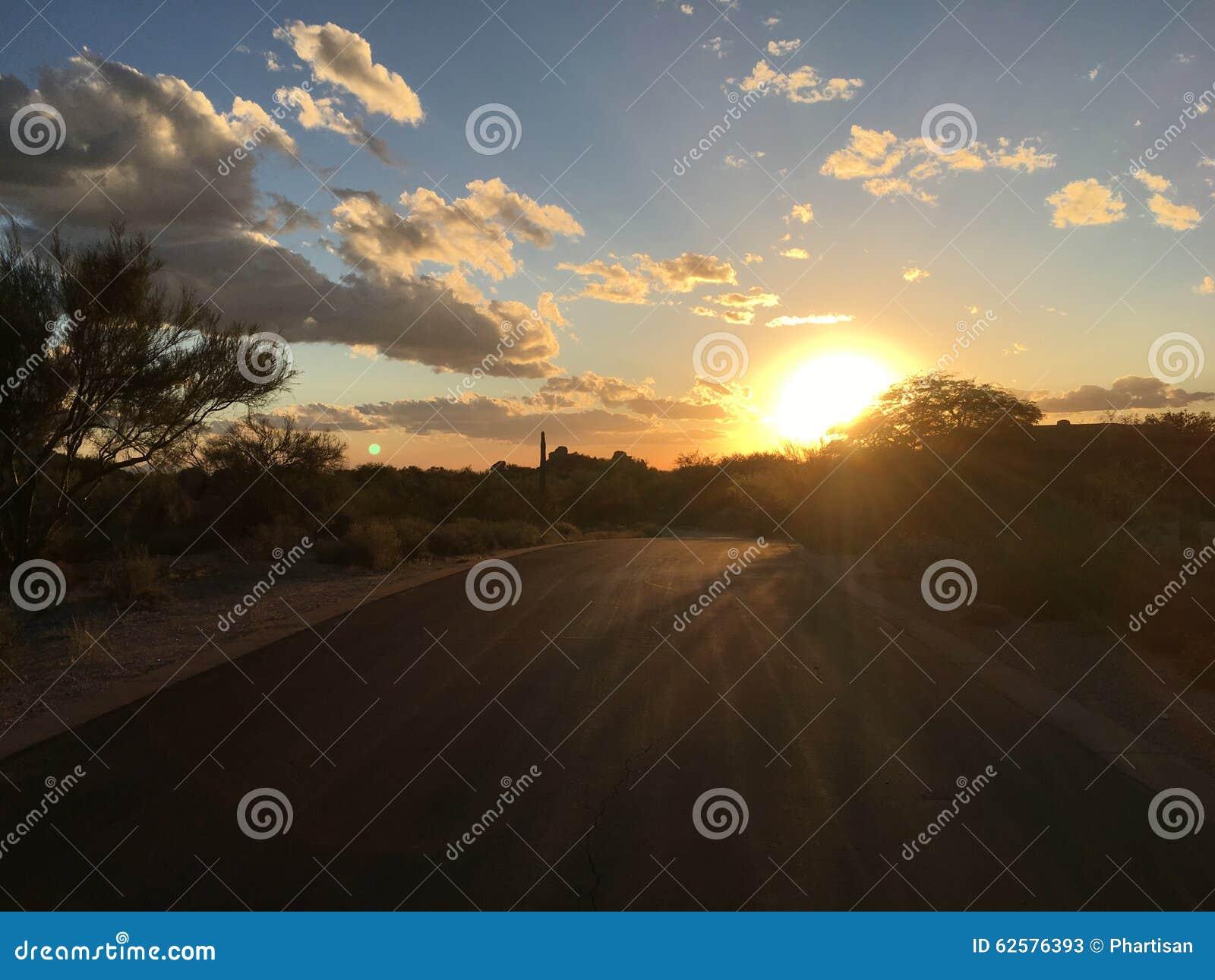 Zaciszność pustynny drogowy zmierzch, Arizona