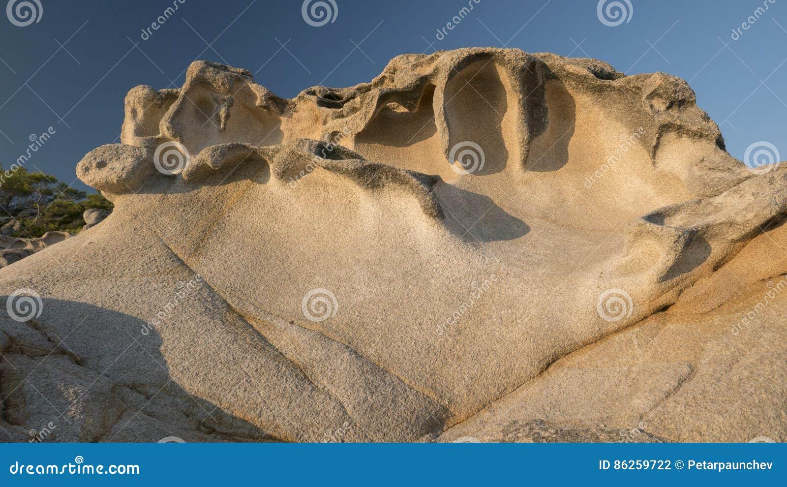 Zadziwiać skały