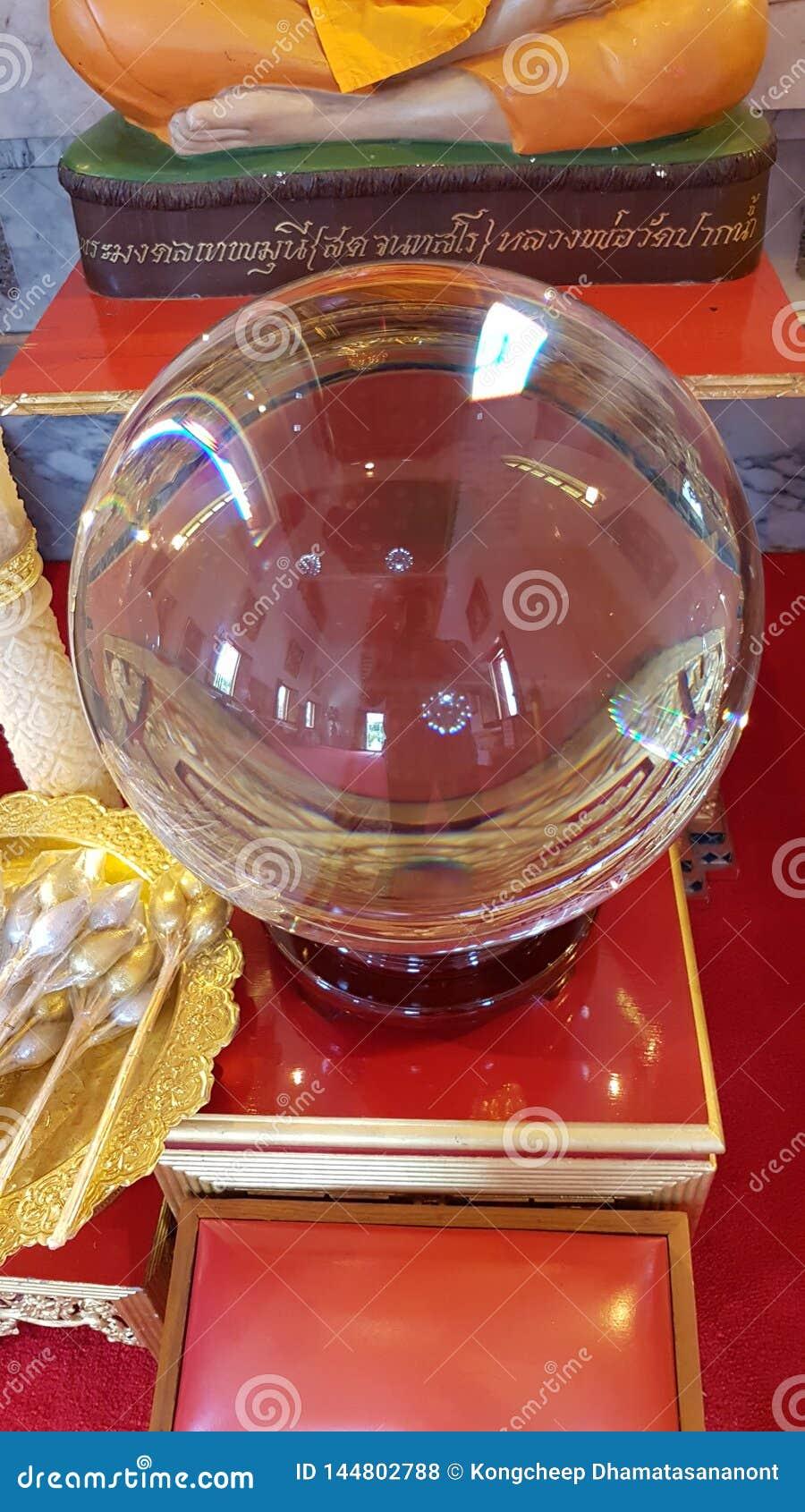 Zadziwiająca kryształowa kula, Może emitować światło, może mówić, duangkaew jak dom który mieszkanem są życia Psychic
