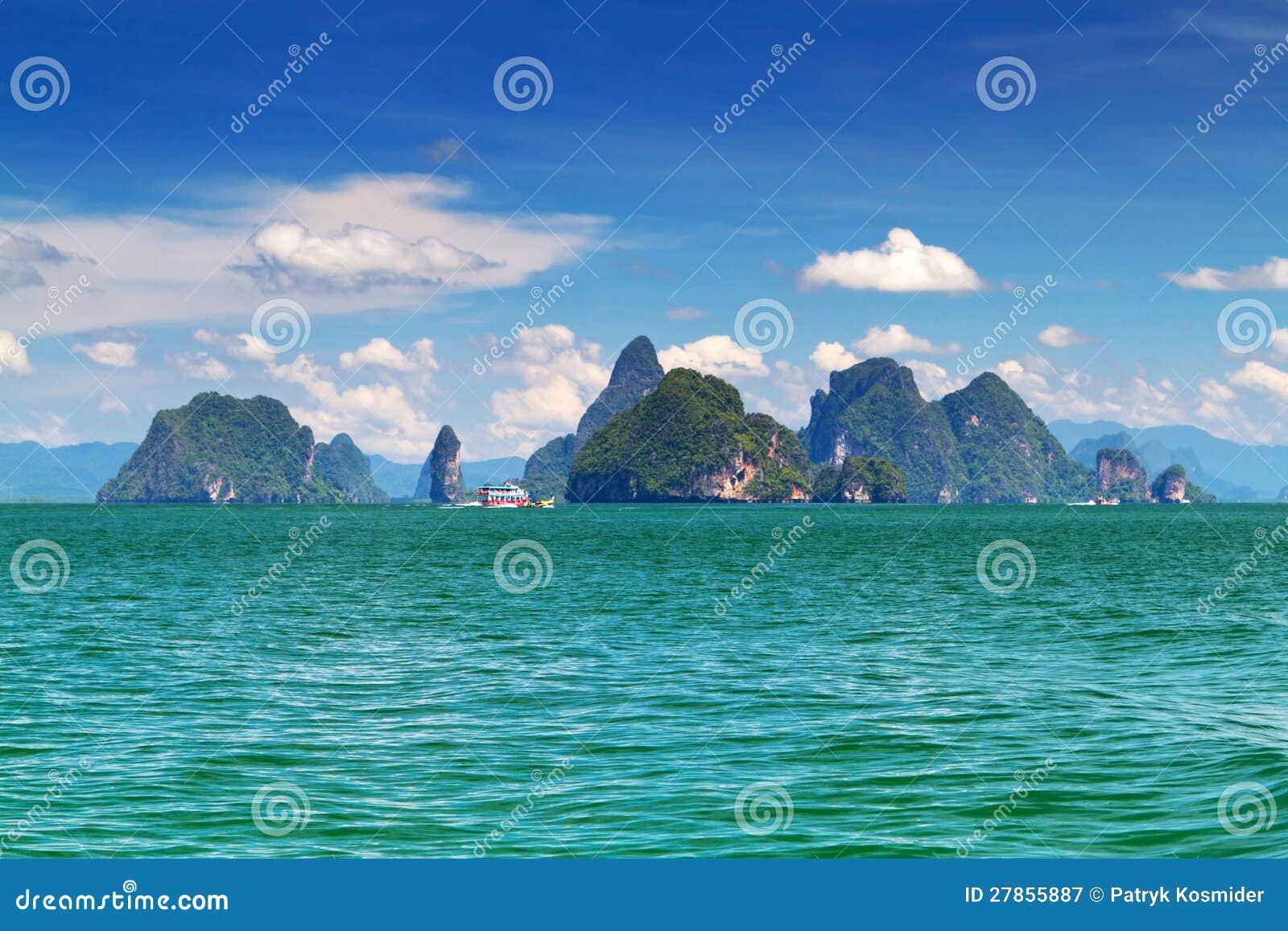 Zadziwiająca sceneria Park Narodowy na Phang Nga Zatoce