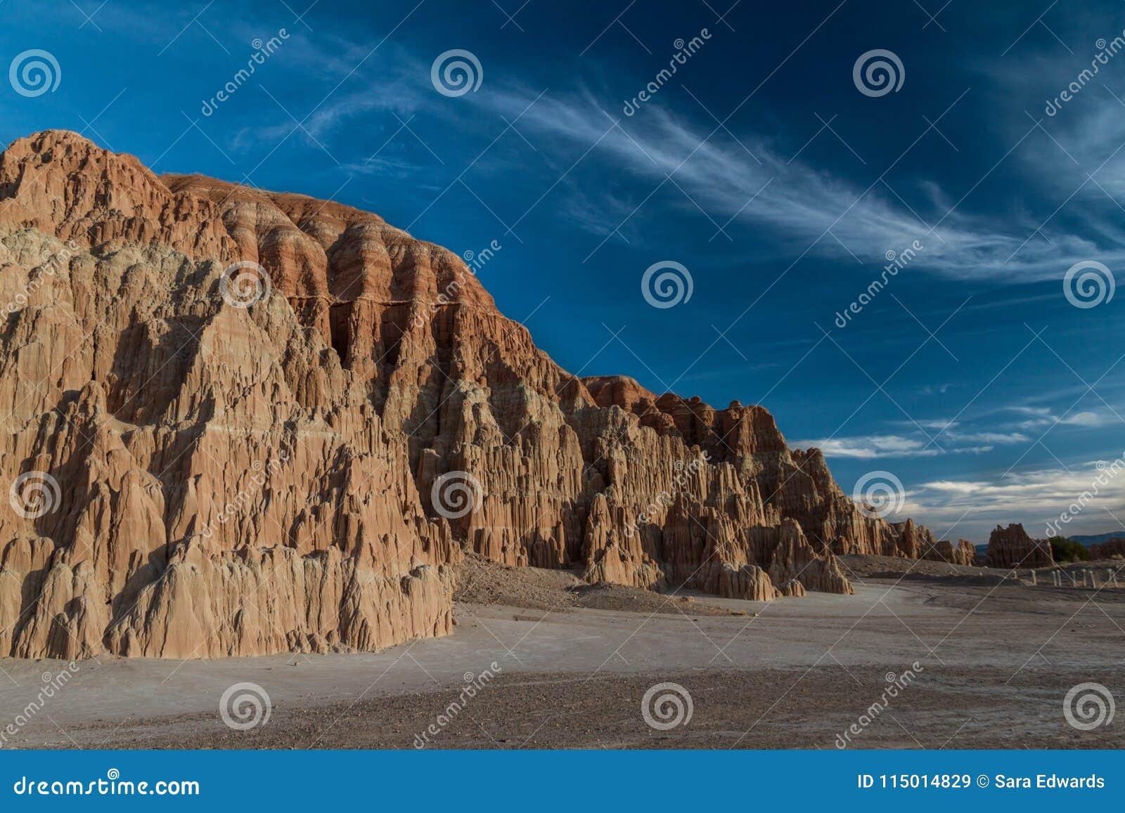 Zadziwiający krajobraz Katedralny wąwozu stanu park w Nevada i