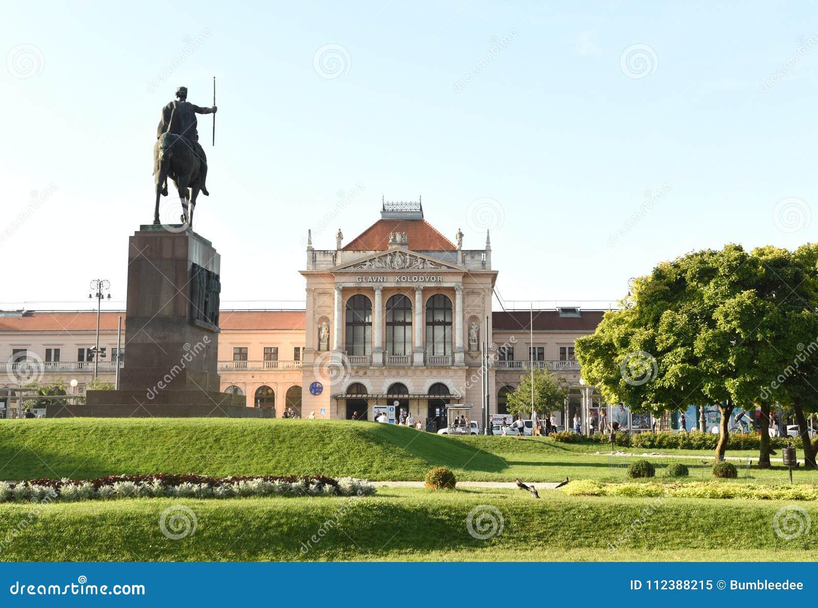 Zagreb, Kroatië - Augustus 18, 2017: Hoofd het stationbui van Zagreb