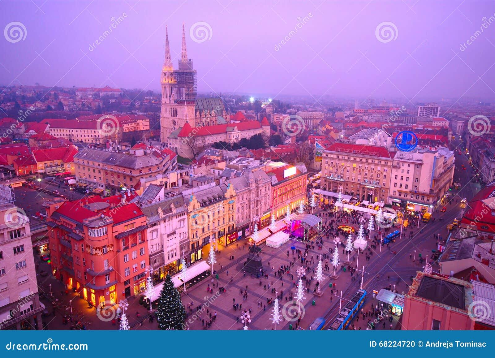 Zagreb por noche, Croacia