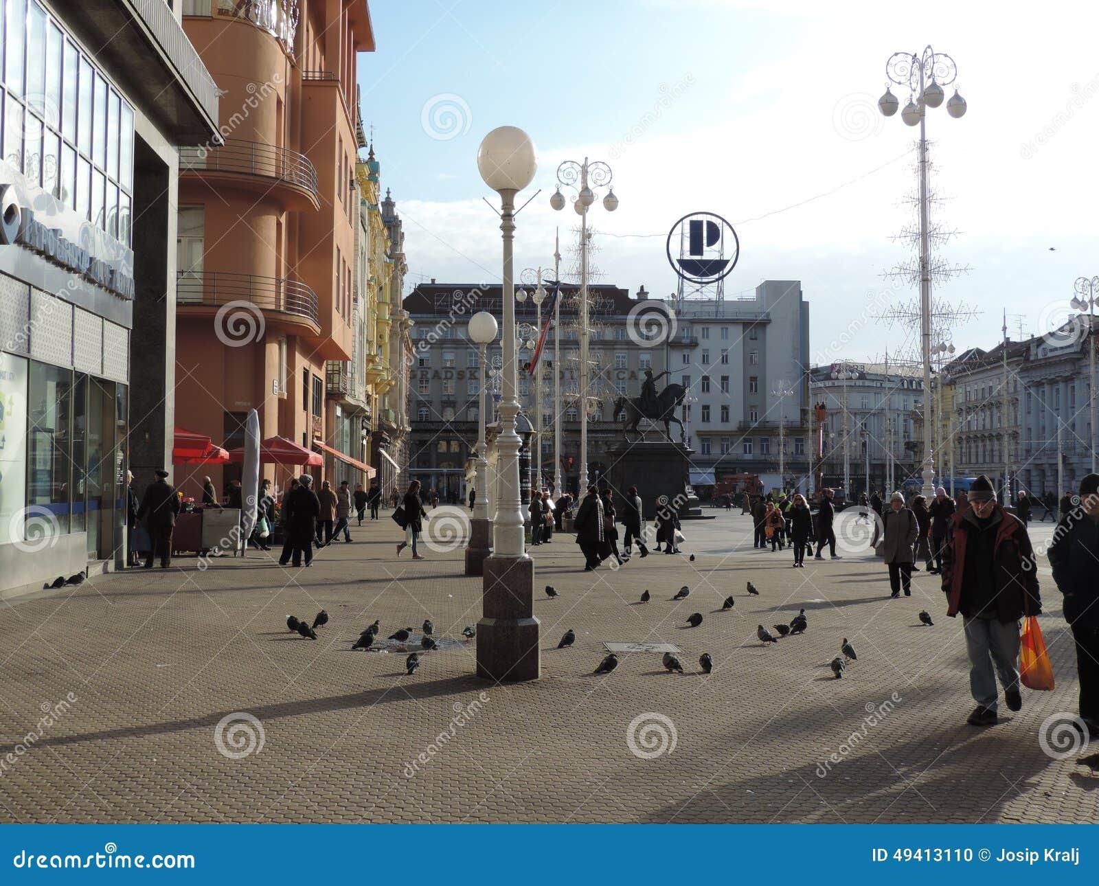 Download Zagrebs-Hauptplatz redaktionelles bild. Bild von quadrat - 49413110