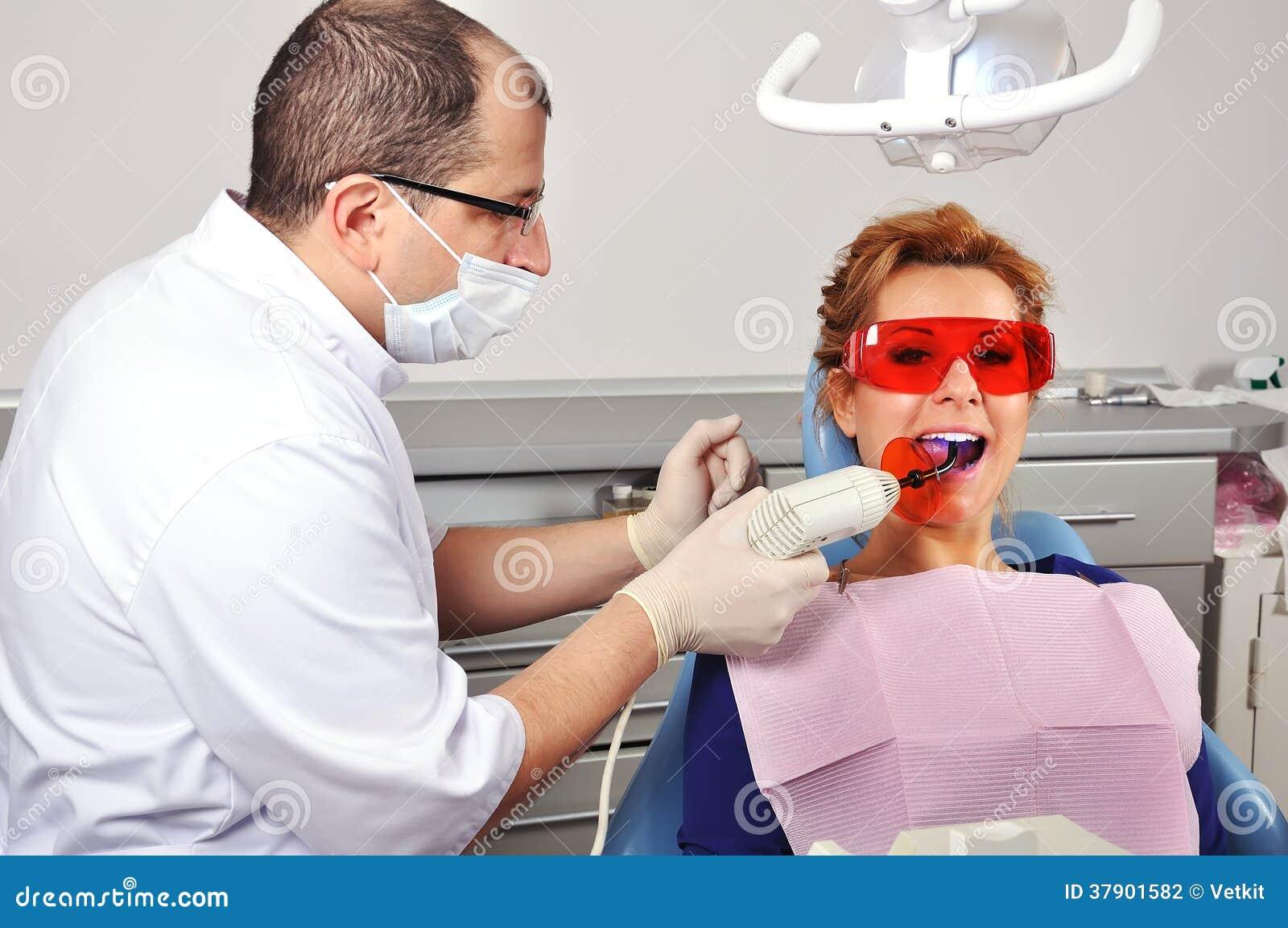 Zahnarztzahnfüllung