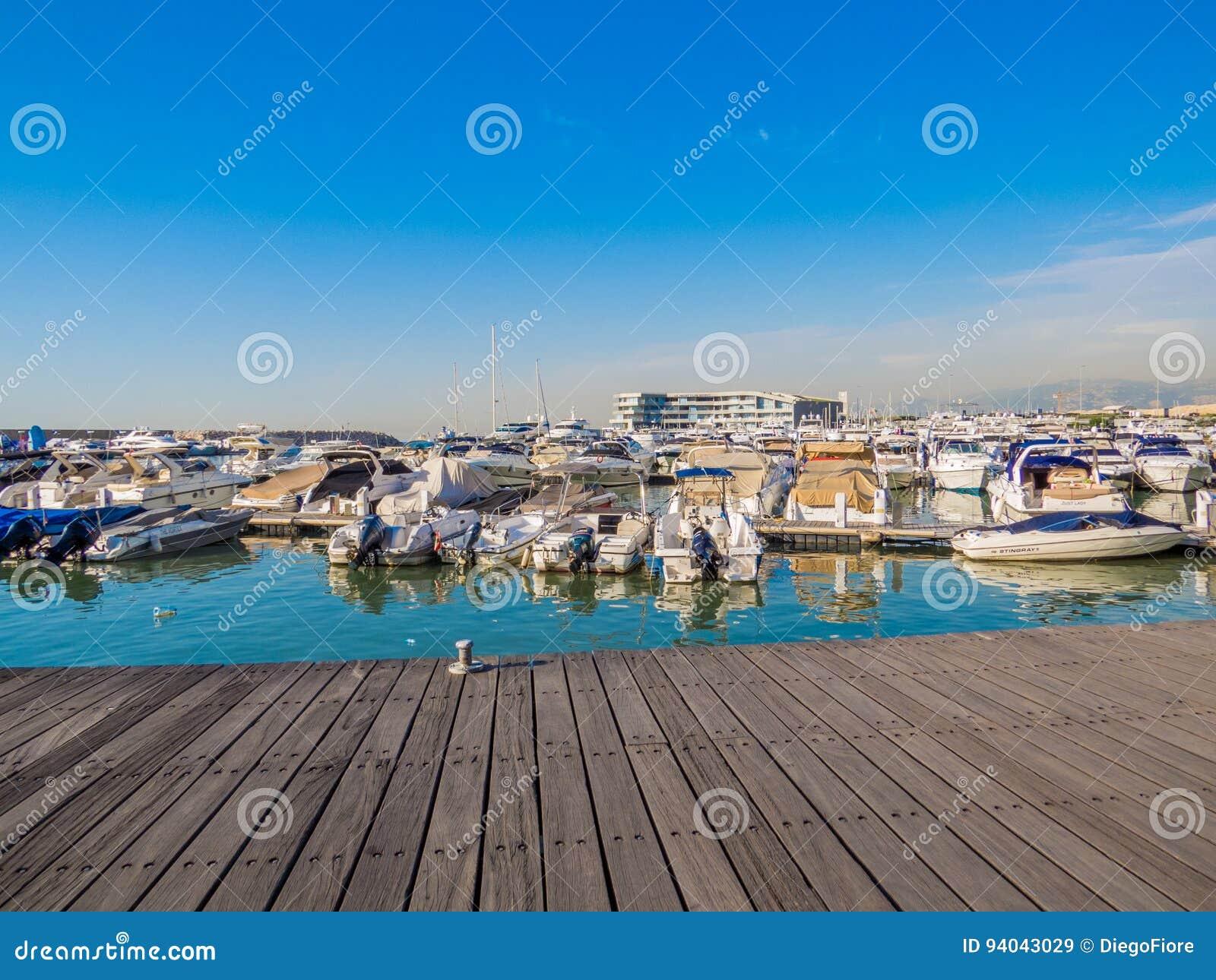 Zaitunay-Bucht in Beirut, der Libanon