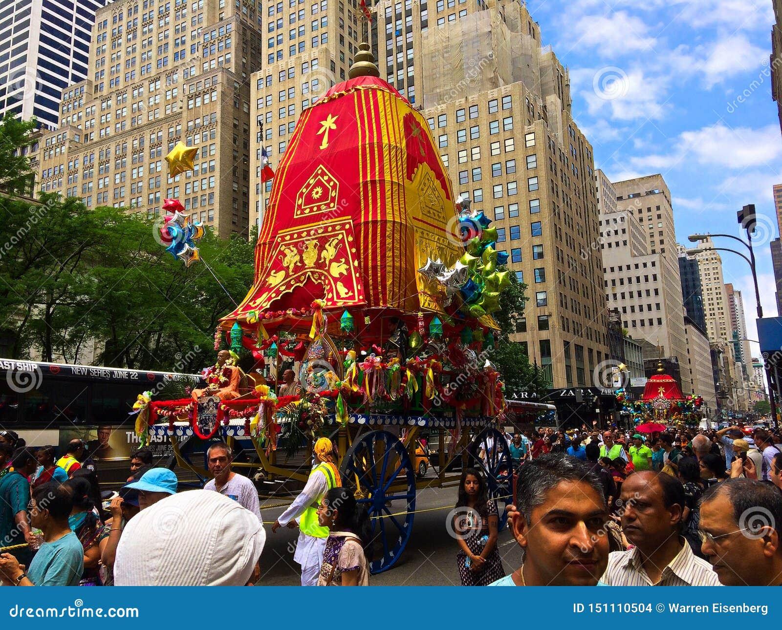 Zajęcza Krishna parada na Fifth Avenue NYC
