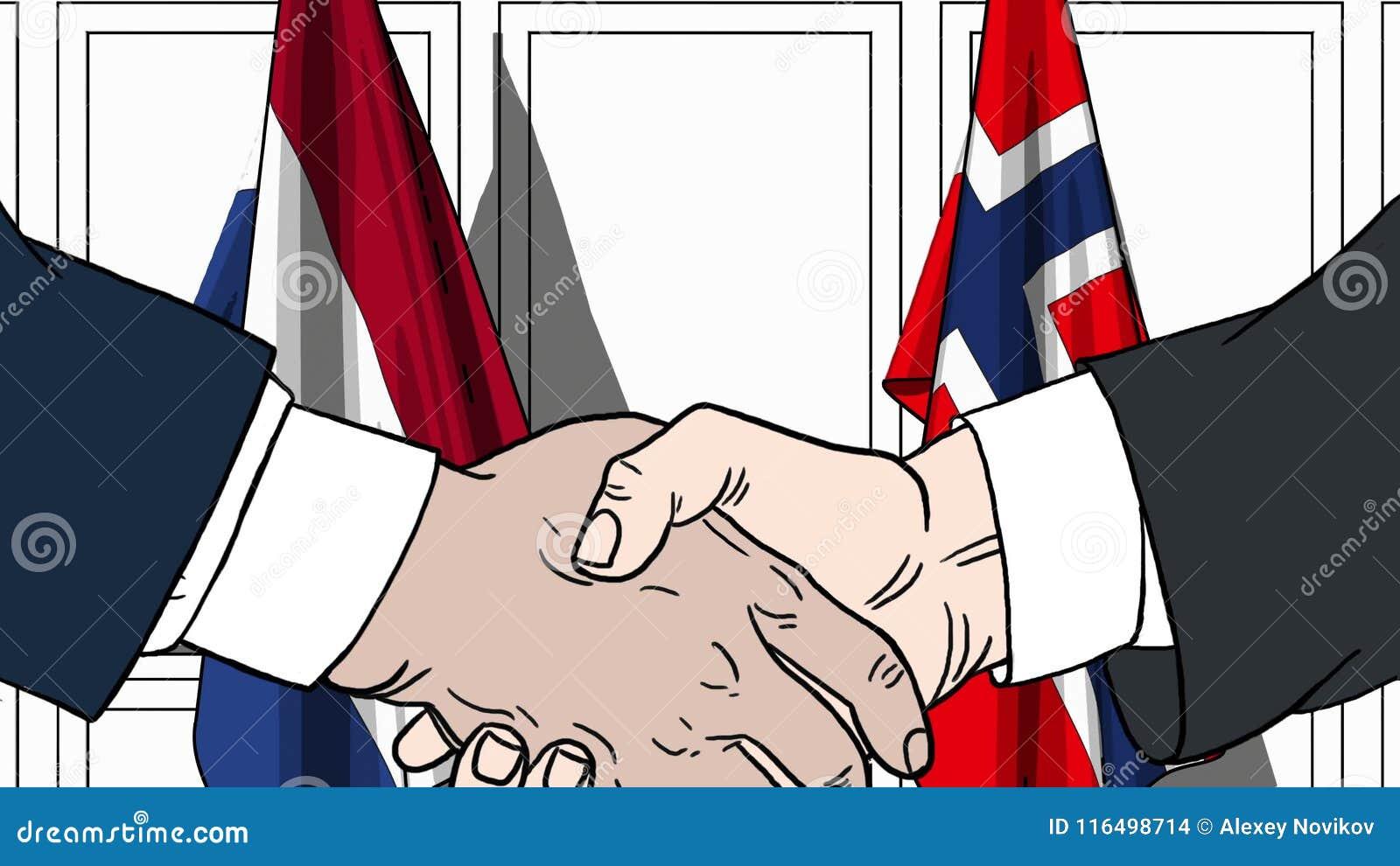 Zakenlieden of politicischokhanden tegen vlaggen van Nederland en Noorwegen Officiële verwante vergadering of samenwerking