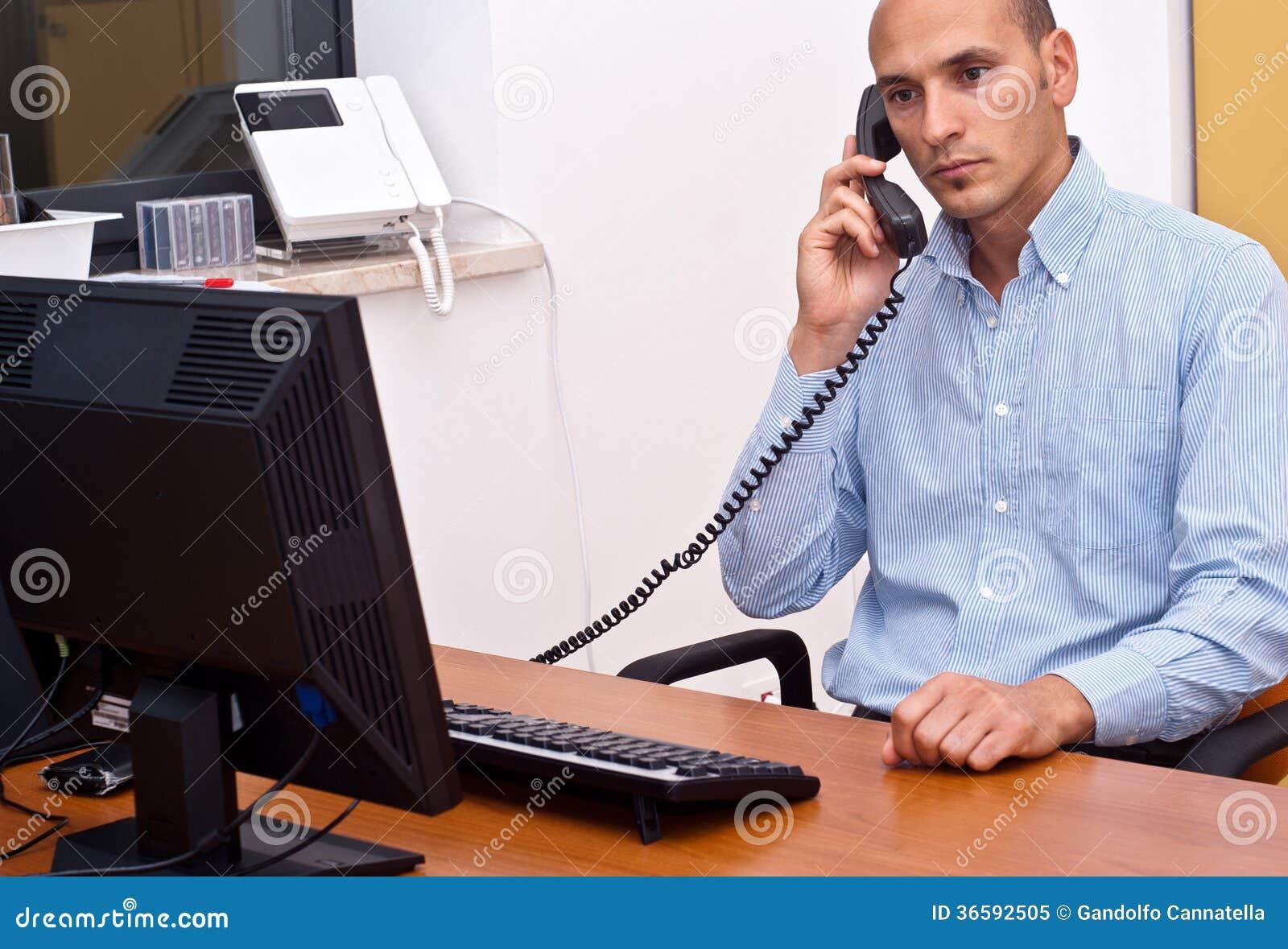Zakenman in bureau