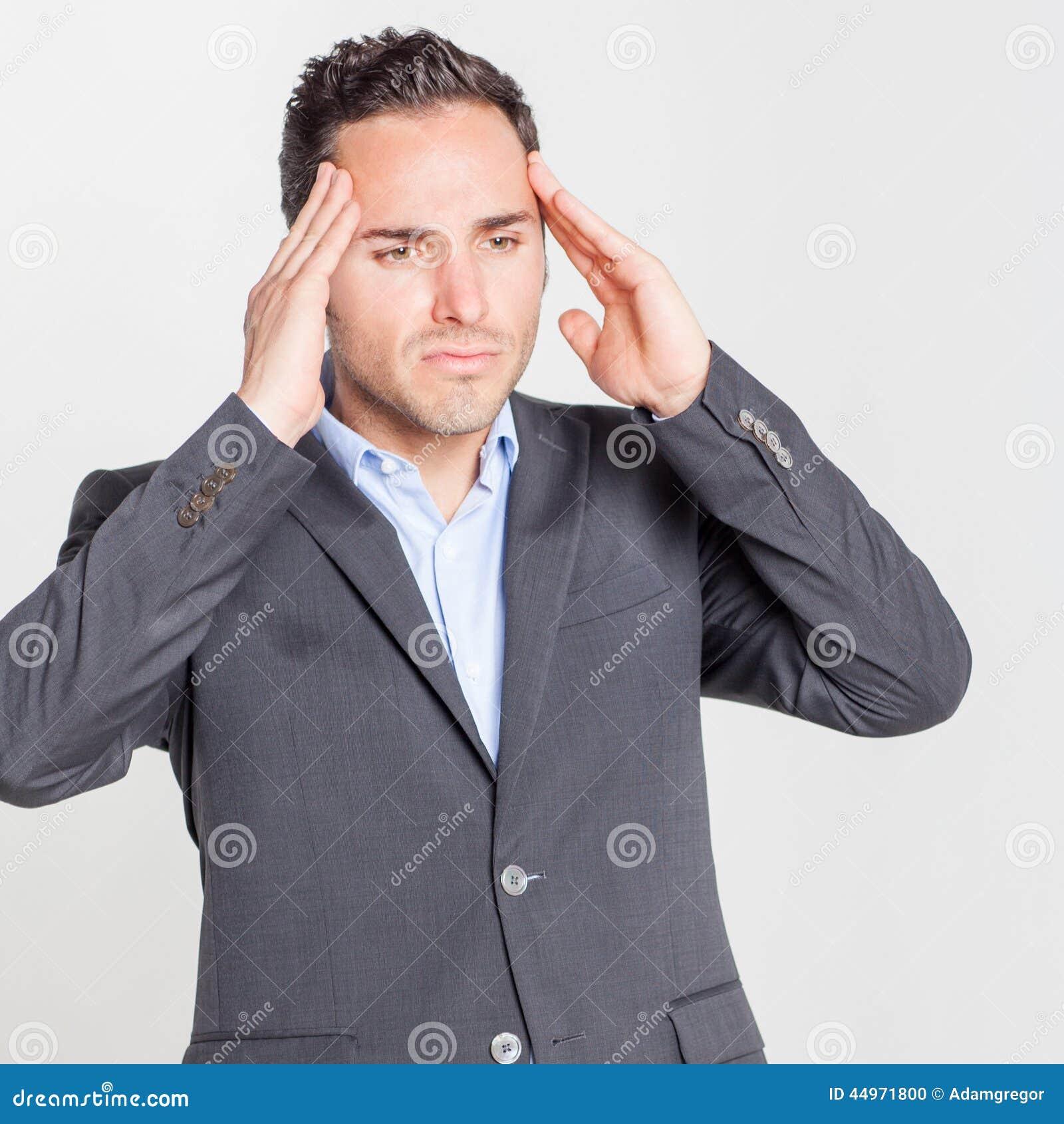 Zakenman die hoofdpijn heeft