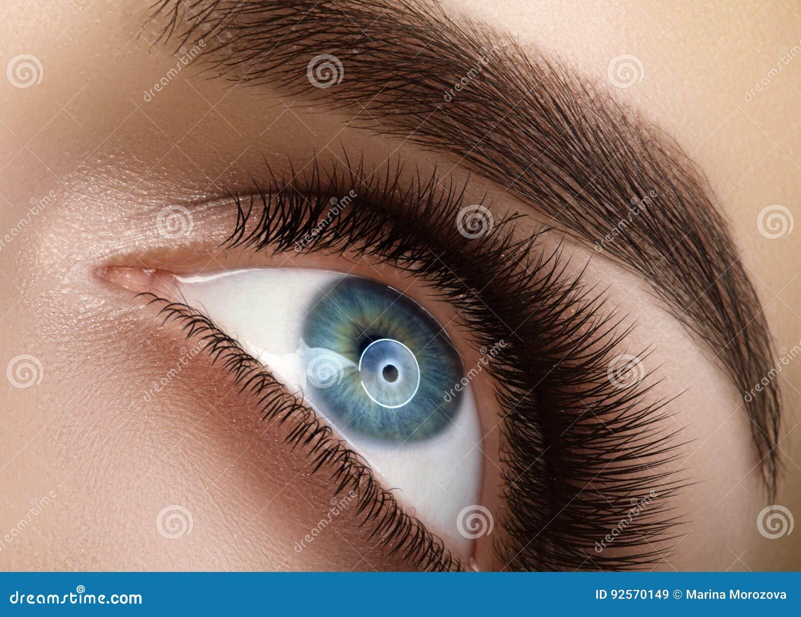 Zakończenia makro- piękny żeński oko z ekstremum tęsk rzęsy Bata projekt, naturalni zdrowie baty Czyści wzrok