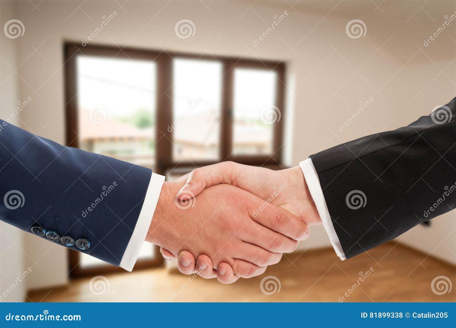 Zakończenie biznesowy uścisku dłoni gest