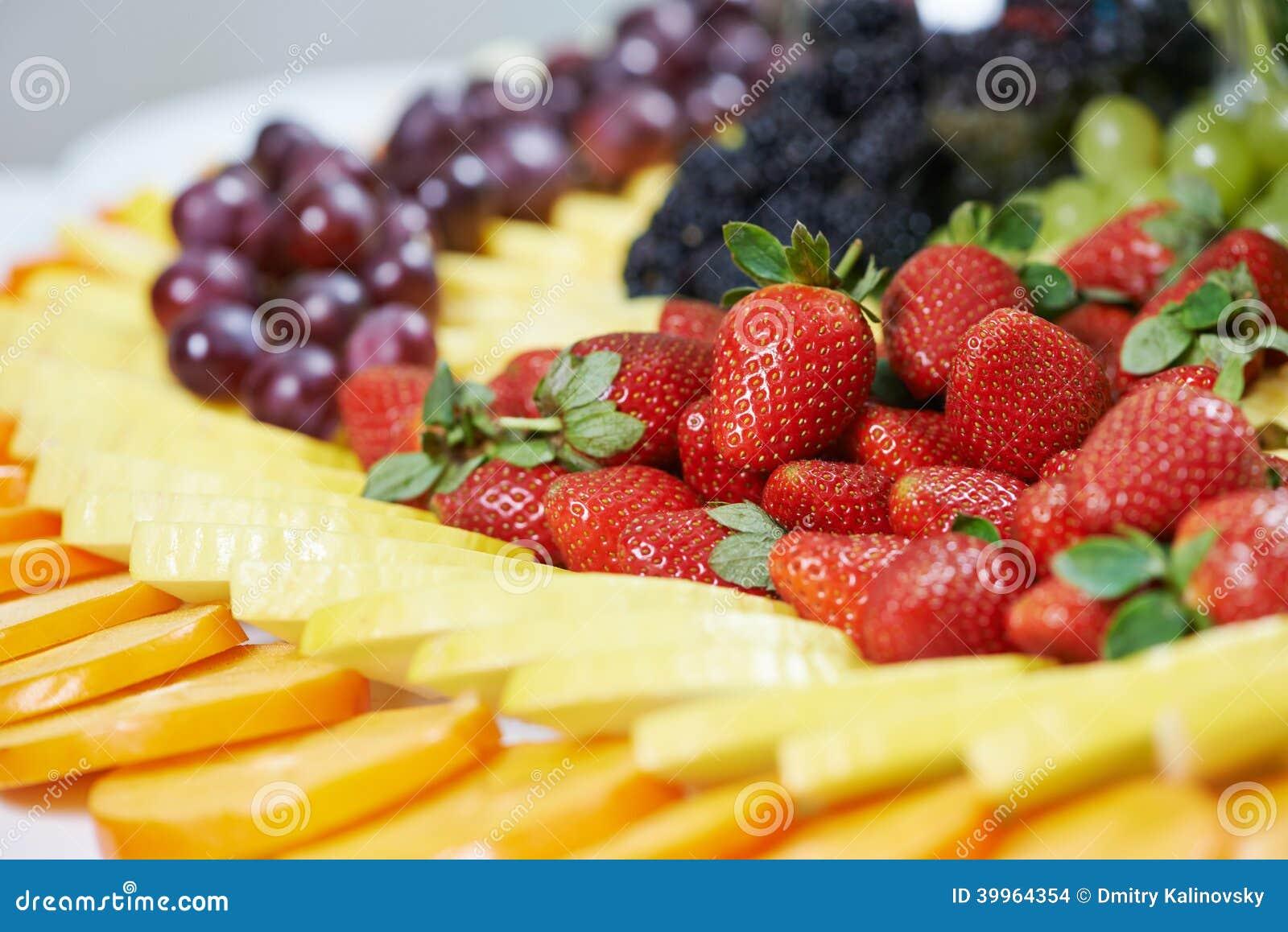 Zakończenie cateringu stołu owocowy set