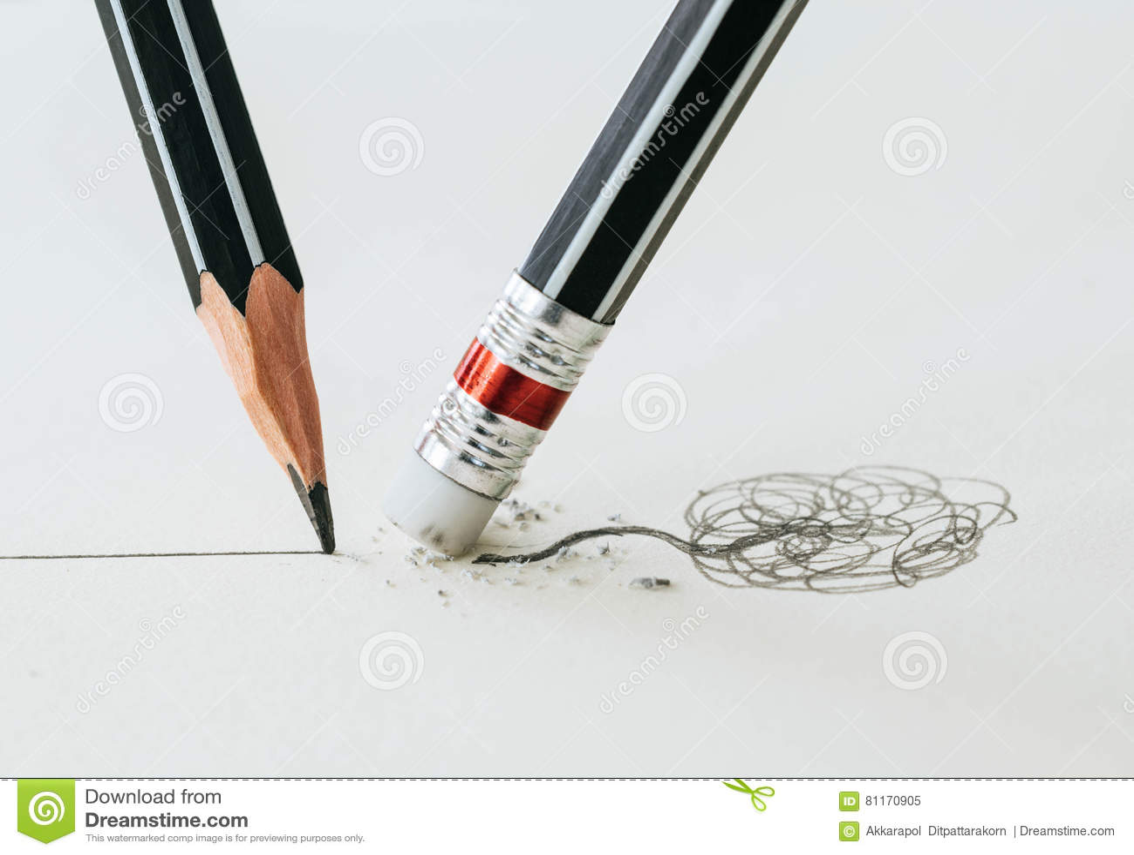 Zakończenie up ołówkowa gumka usuwa koślawy kreskowego i clos