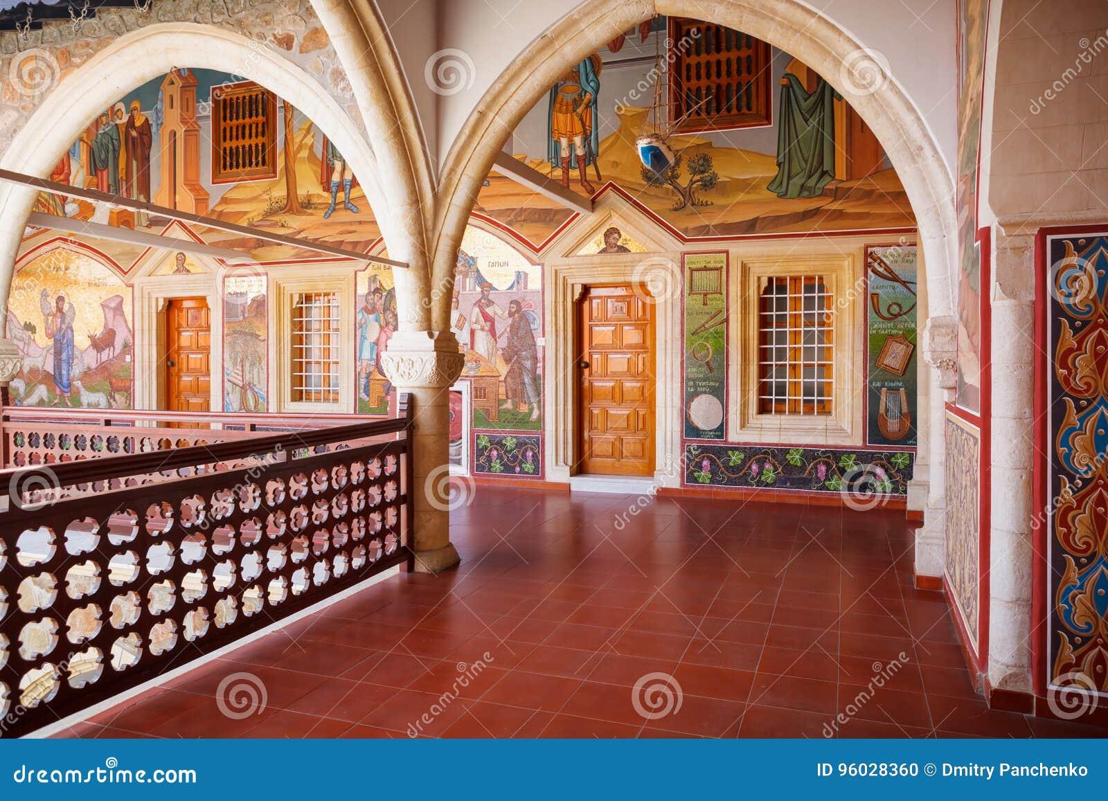 Zakrywający korytarz w sławnym Kykkos monasterze