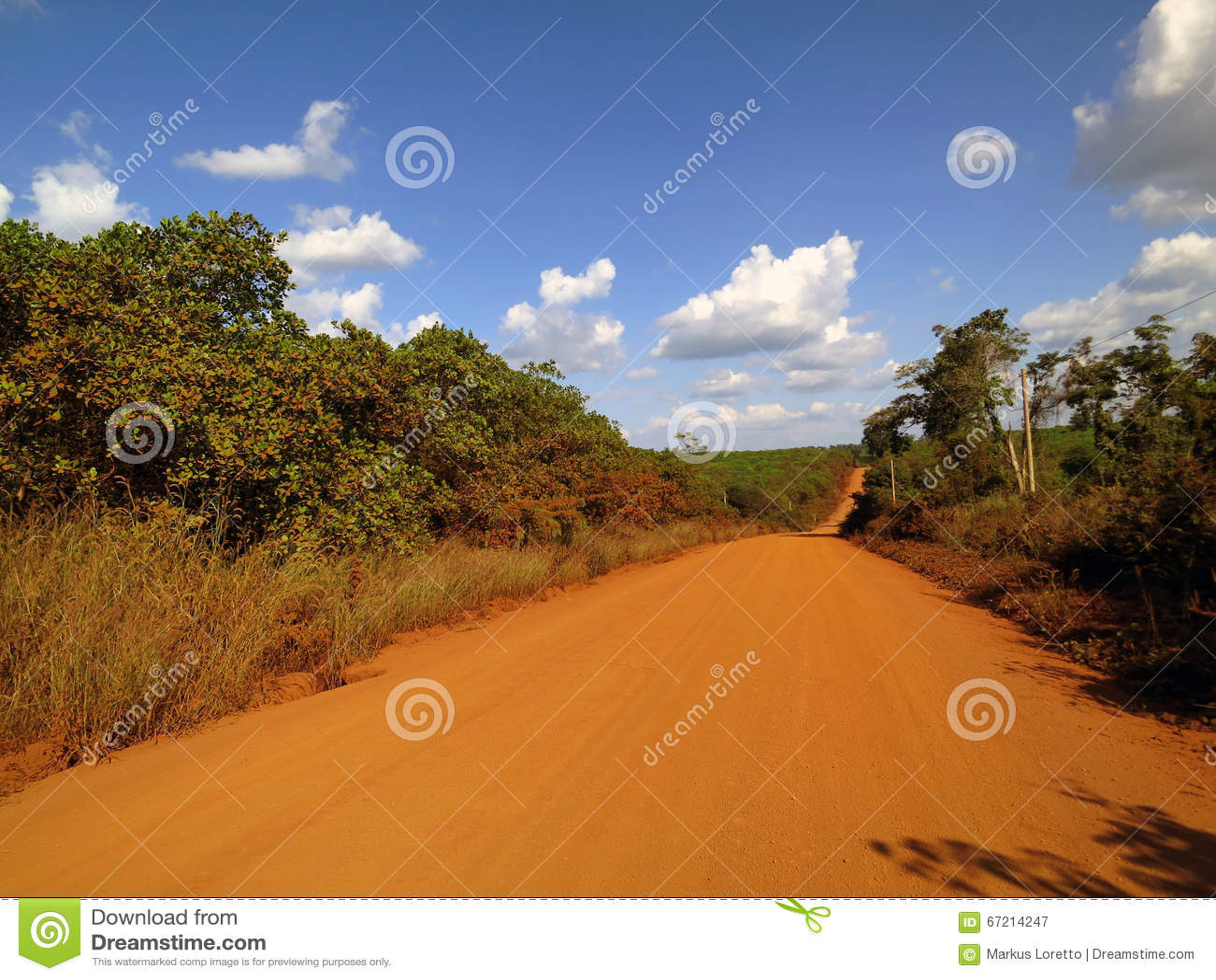 Zakurzona droga w Kambodża