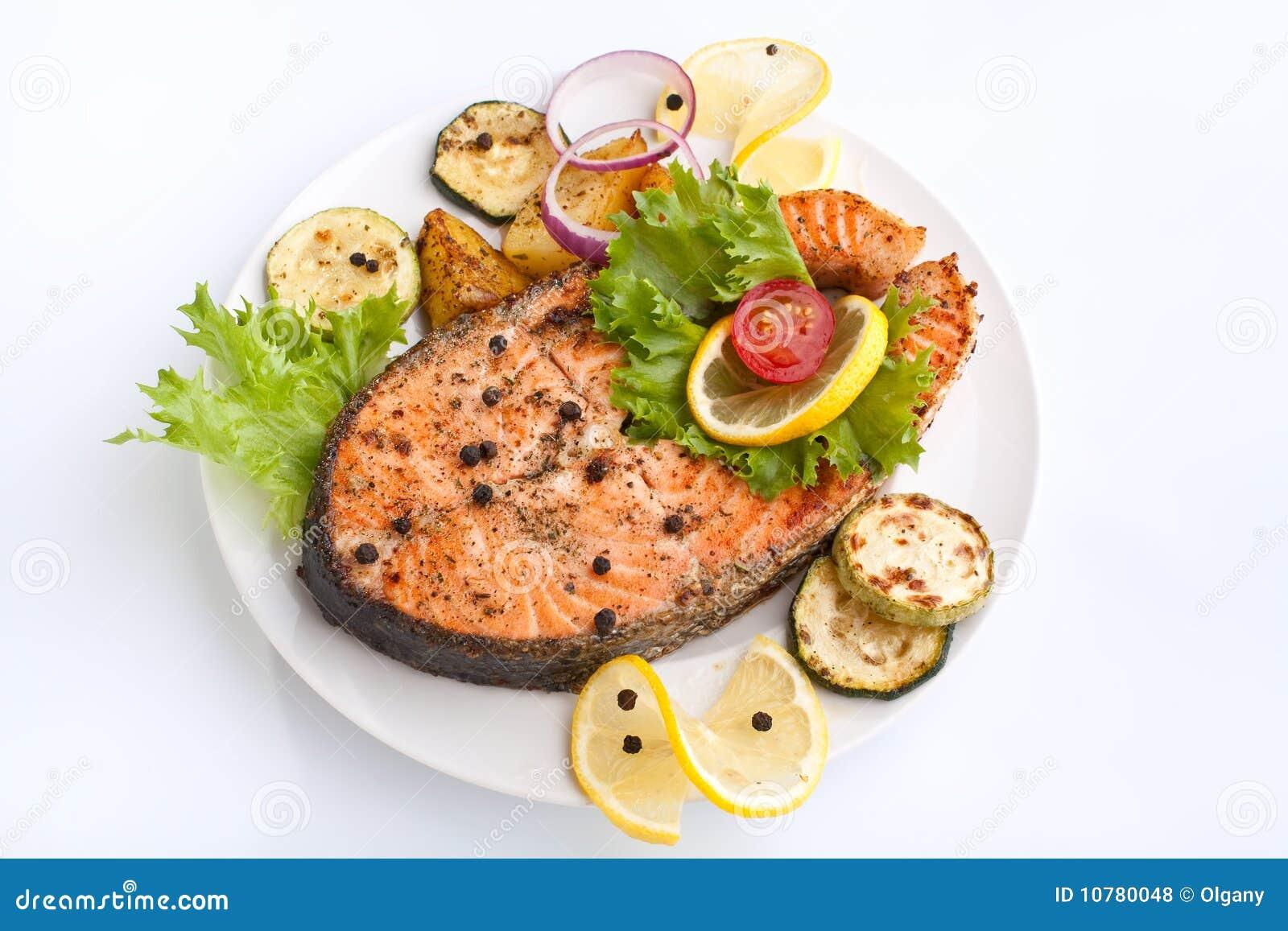 Zalm met groenten en citroen