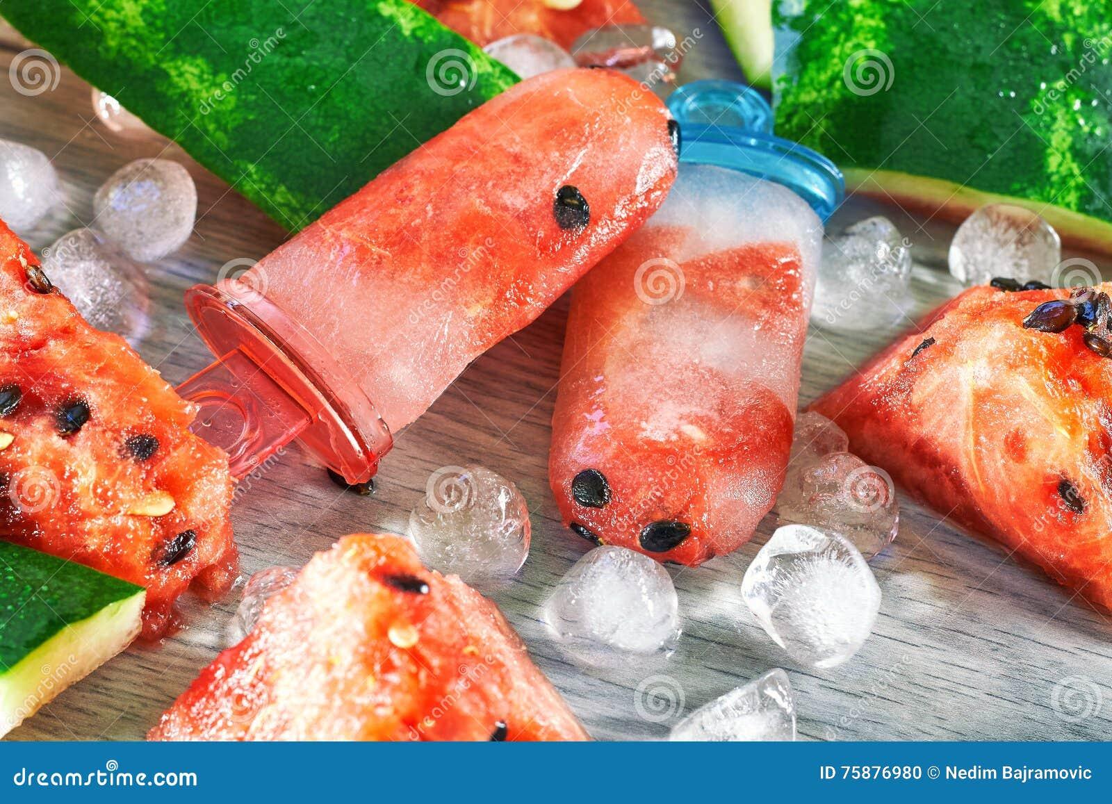 Zamarznięci arbuzów popsicles