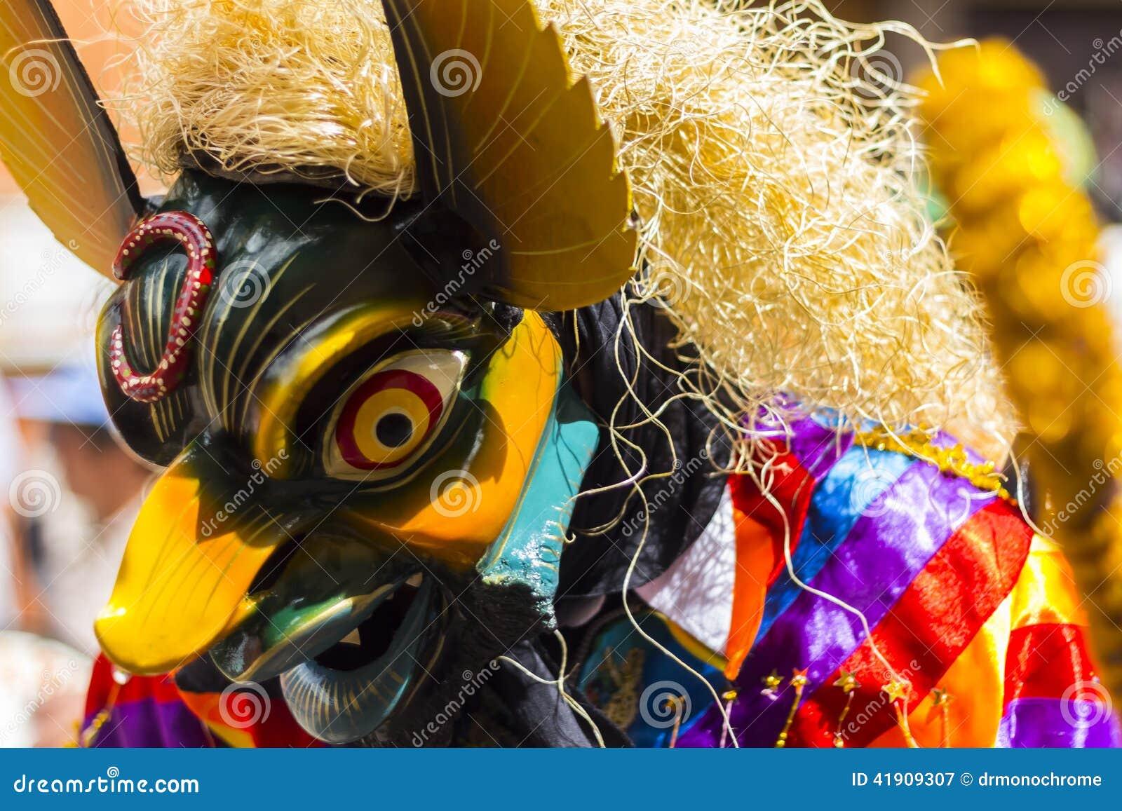 Zamaskowani tancerze Virgen Del Carmen Pisac Cuzco Peru
