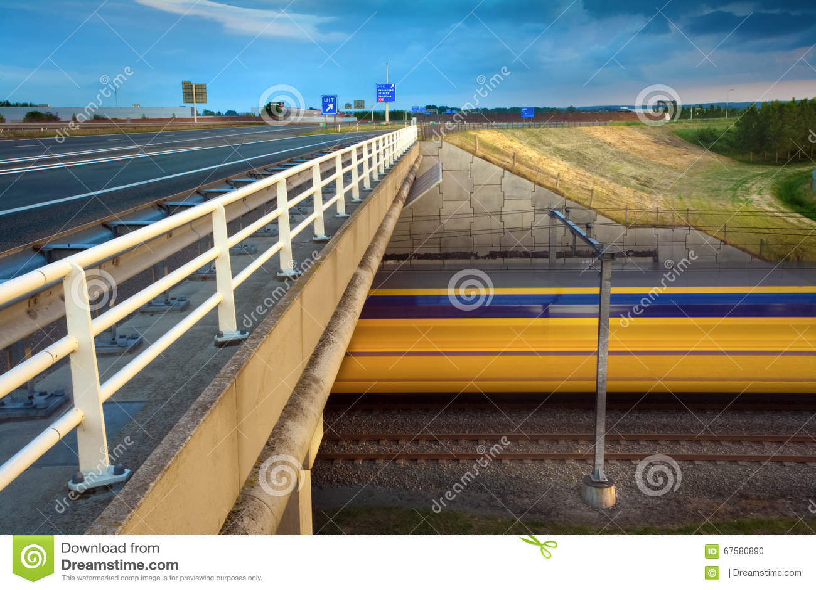 Zamazany film Intercity pociąg