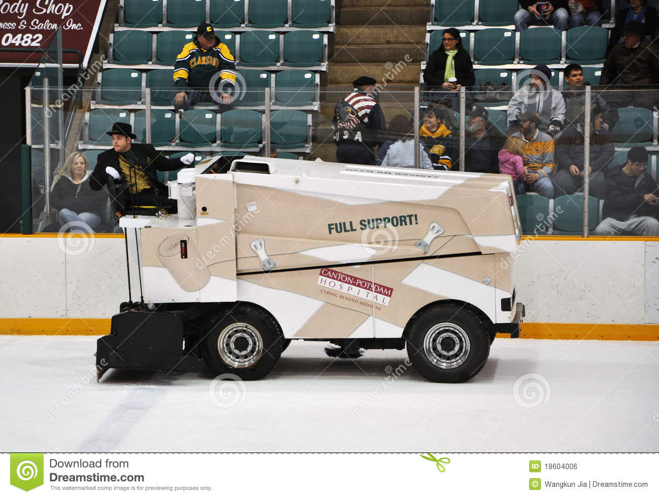 Zamboni in ncaa hockey game editorial photo image 18604006 for Floor zamboni