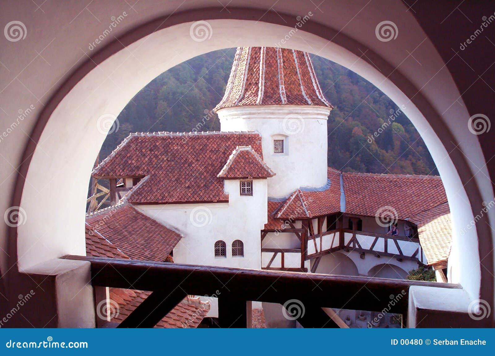 Zamek dziedziniec wzmocnione