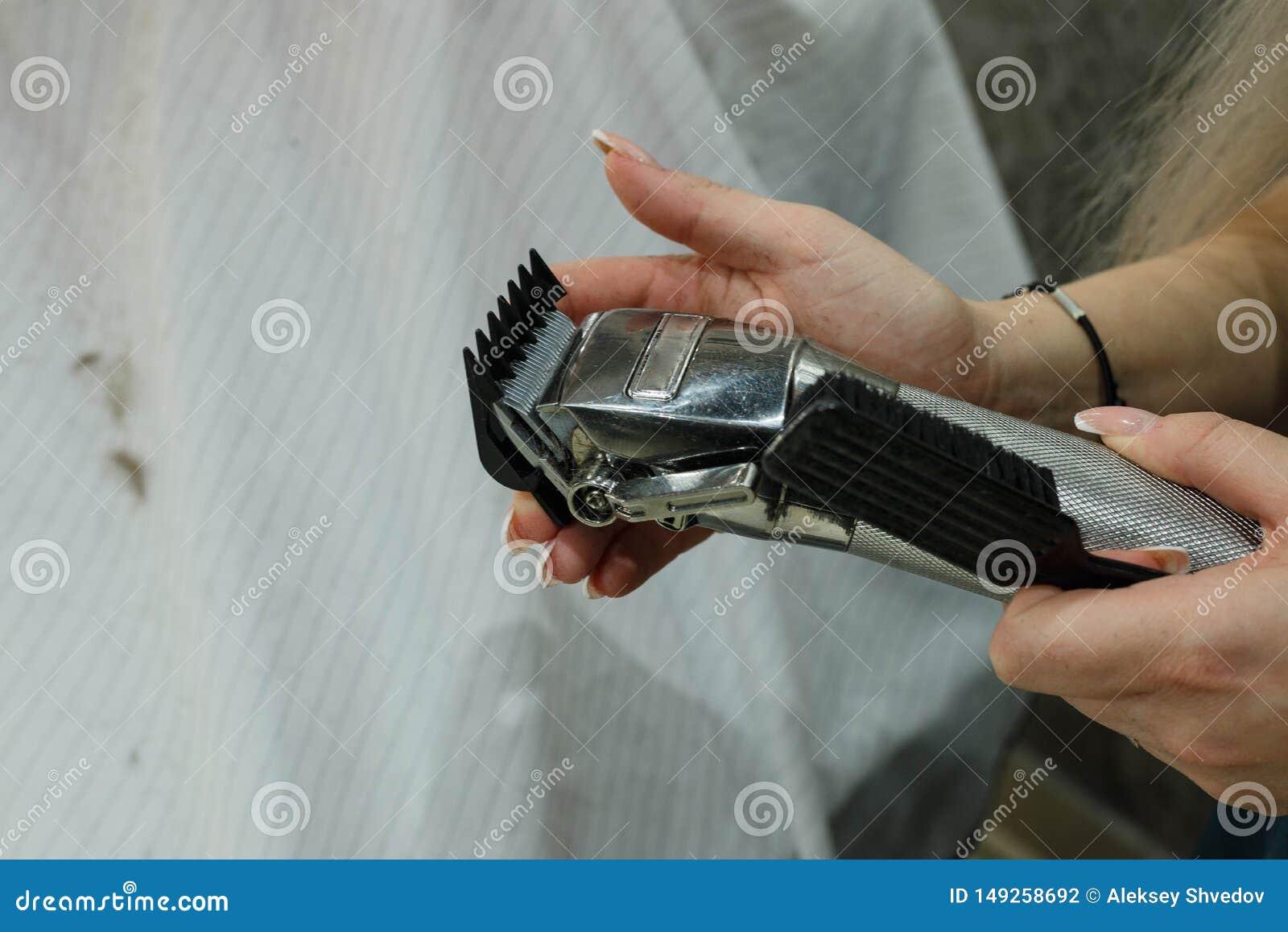 Zamienia? nozzle elektryczny w?osiany c??ki R?ki zmiana nozzles elektrycznych w?osianych c??k?w