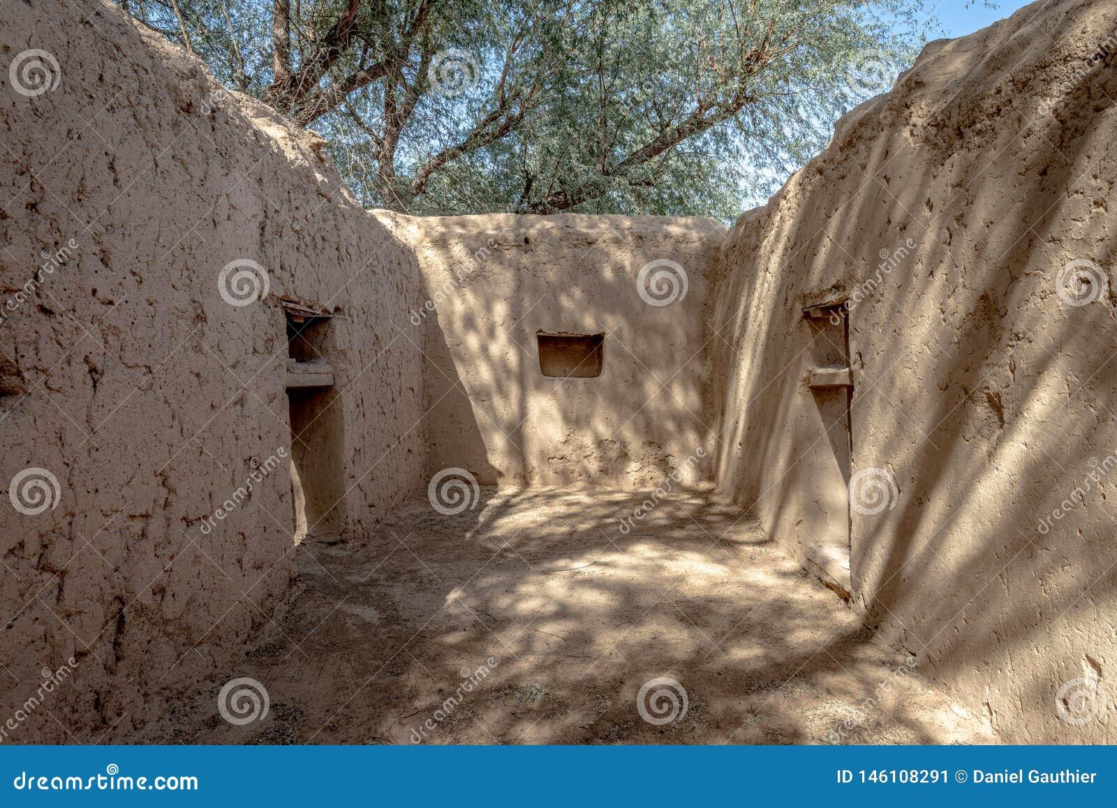 Zamkni?ty widok Al Dahiri dom w Al Qattara oazie, Al Ain