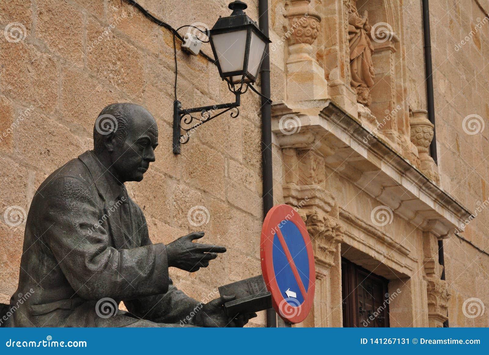 Ignacio Sardá memorial, Zamora, Spain