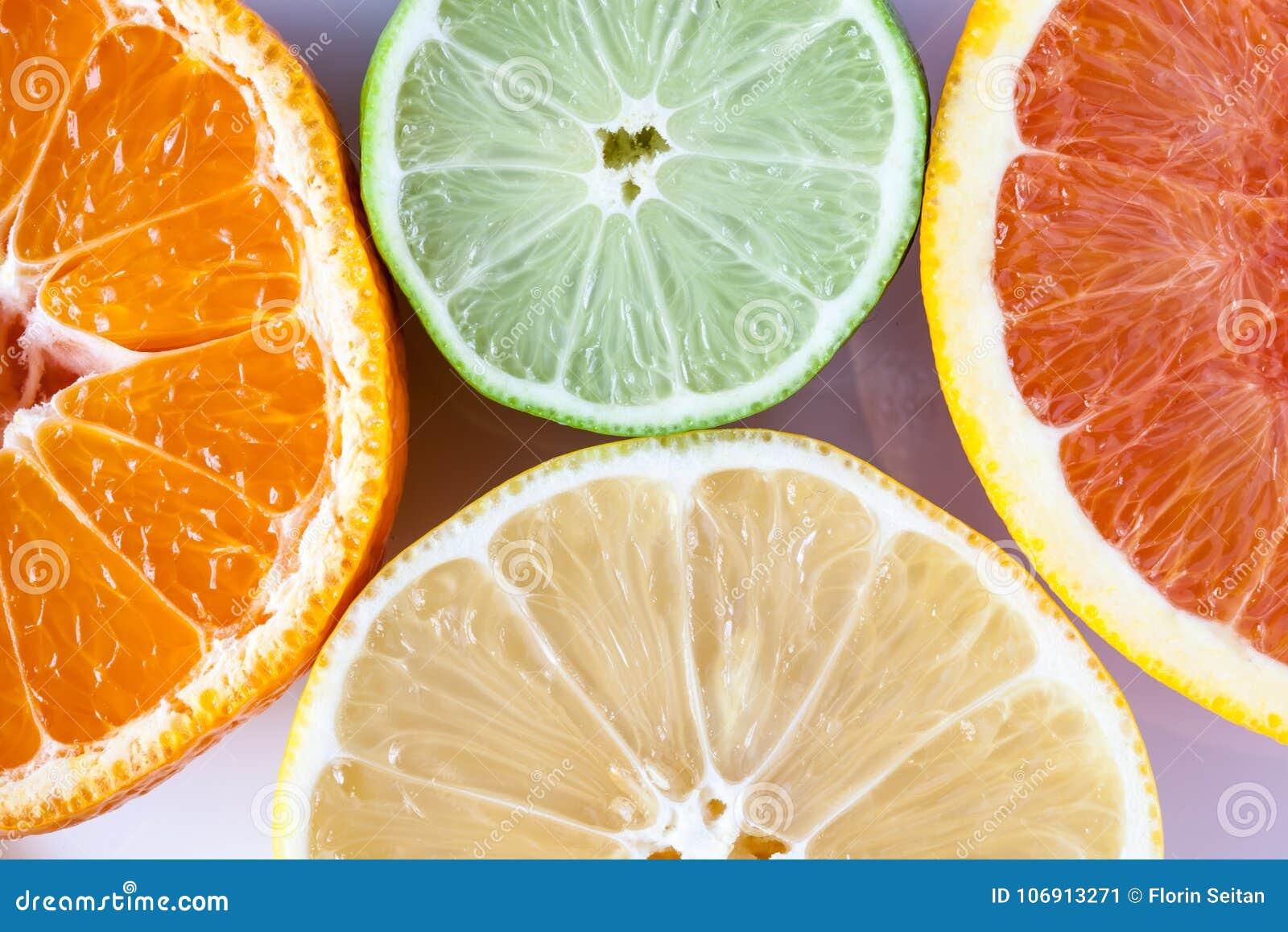 Zamyka up różnorodne cytrus owoc cytryna, wapno, mandarynka i grapefruitowy - Myers,