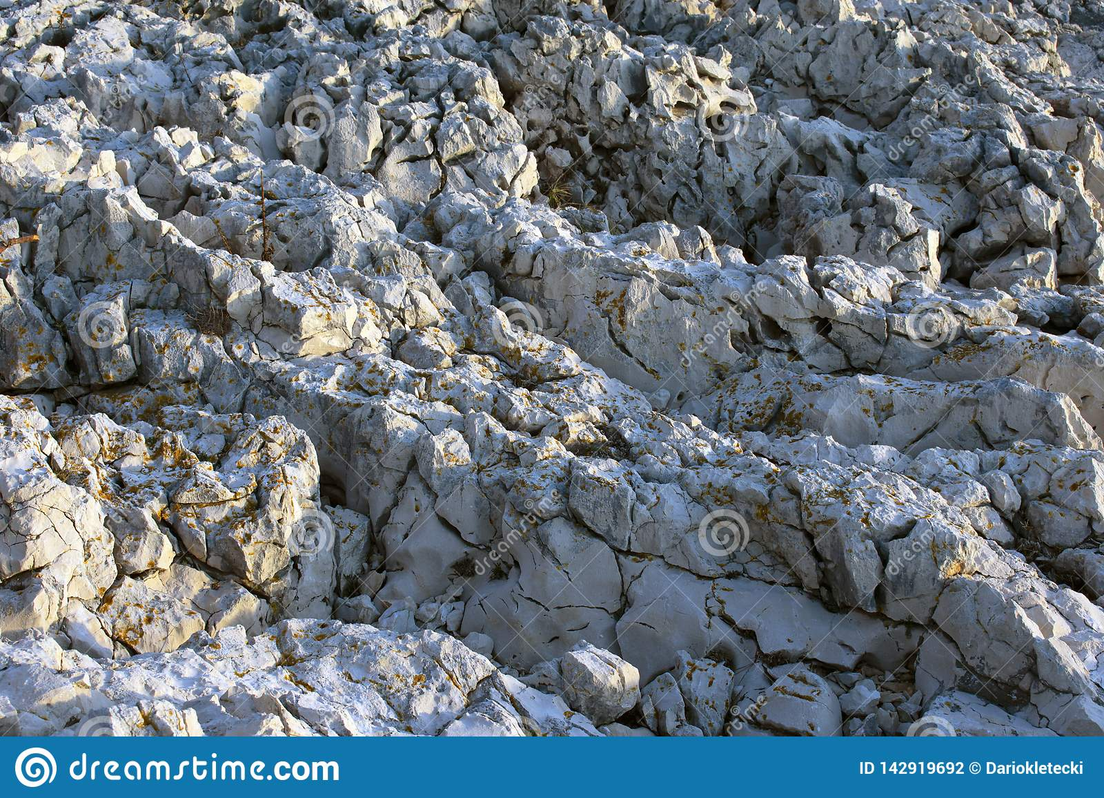 Zamyka w górę dzikich skał
