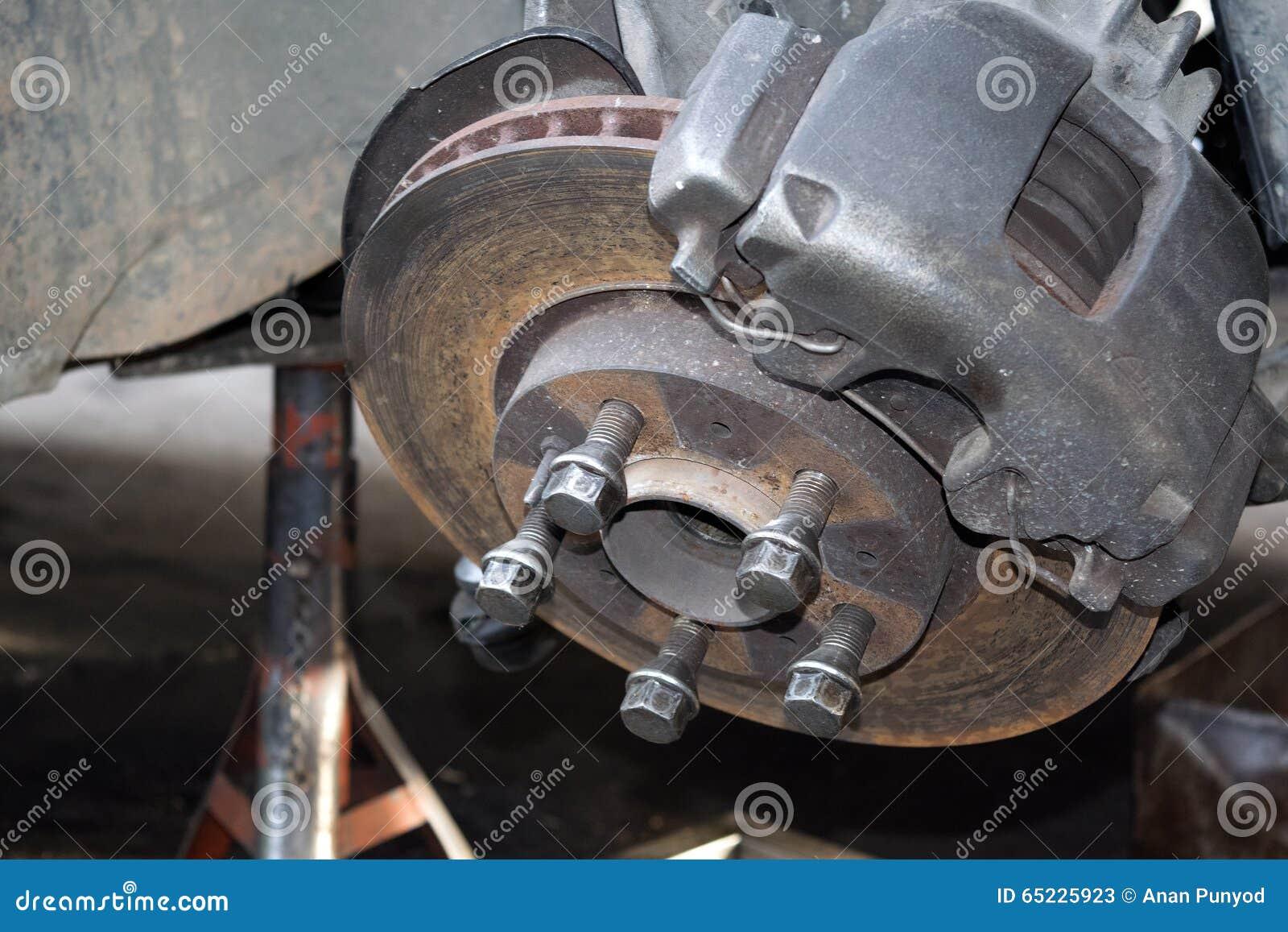 Zamyka w górę naprawy podwozia koło