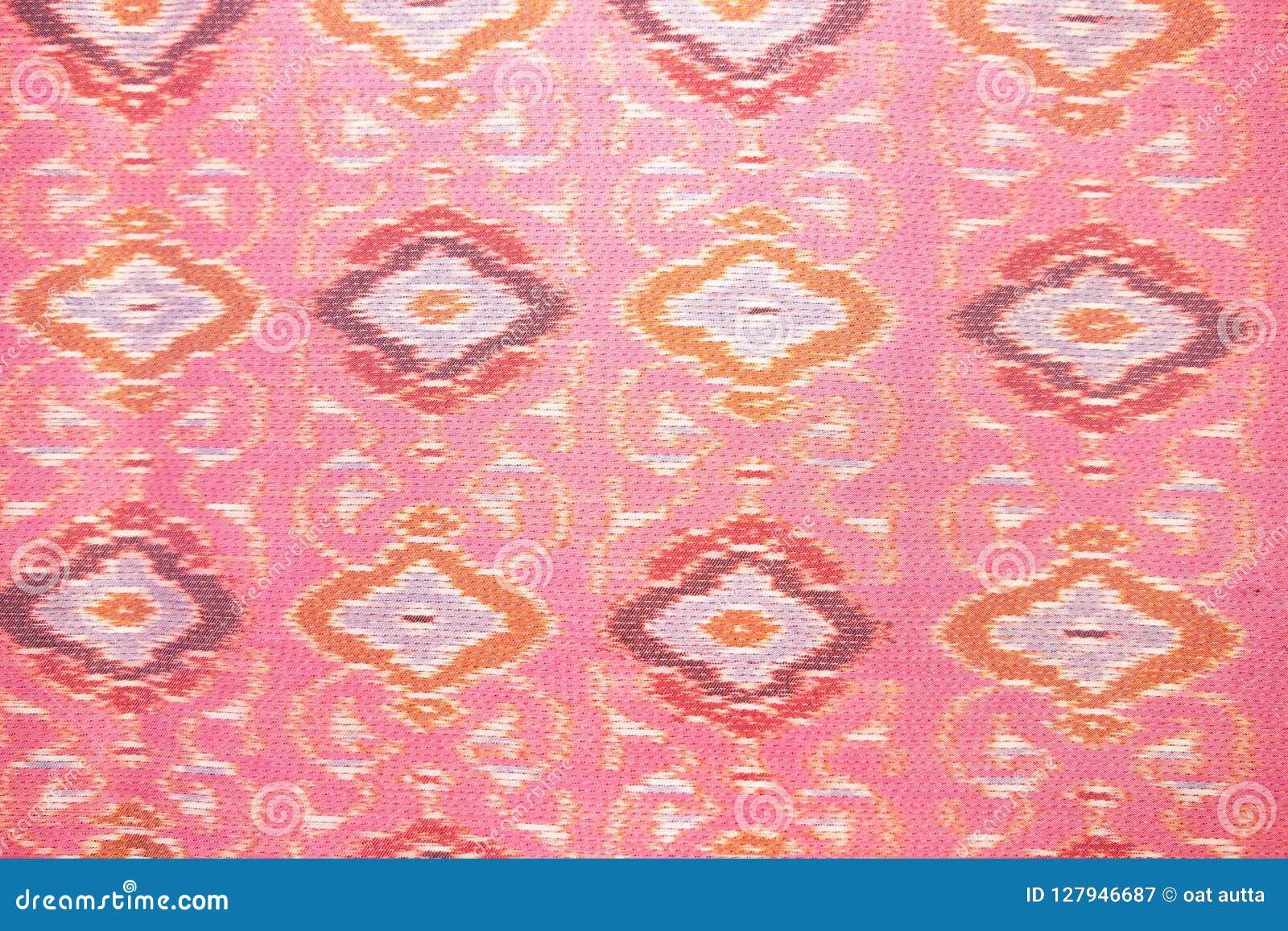 Zamyka w górę różowego jedwabniczego rękodzieła, tkaniny mody projekt, Piękny Tajlandzki stylowy tkanina wzoru tło, tekstura Tajl