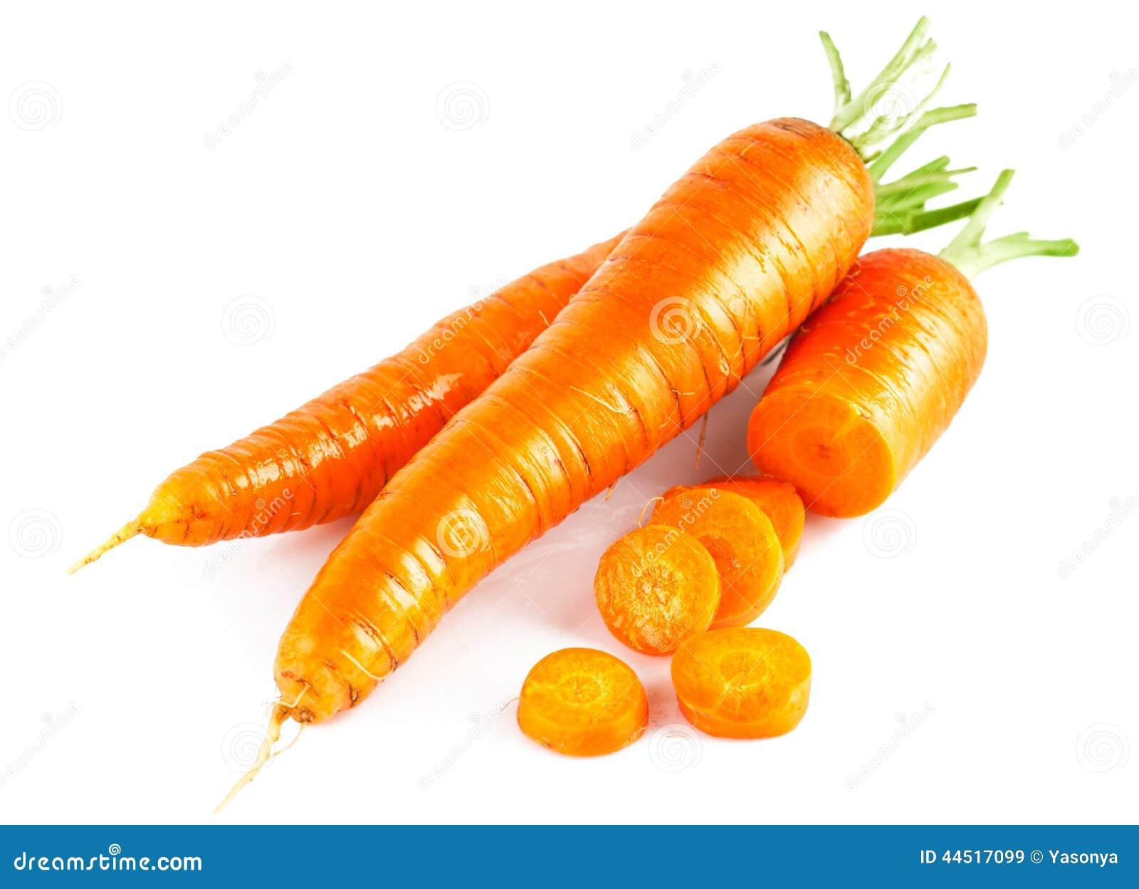 Zanahoria fresca en la sección