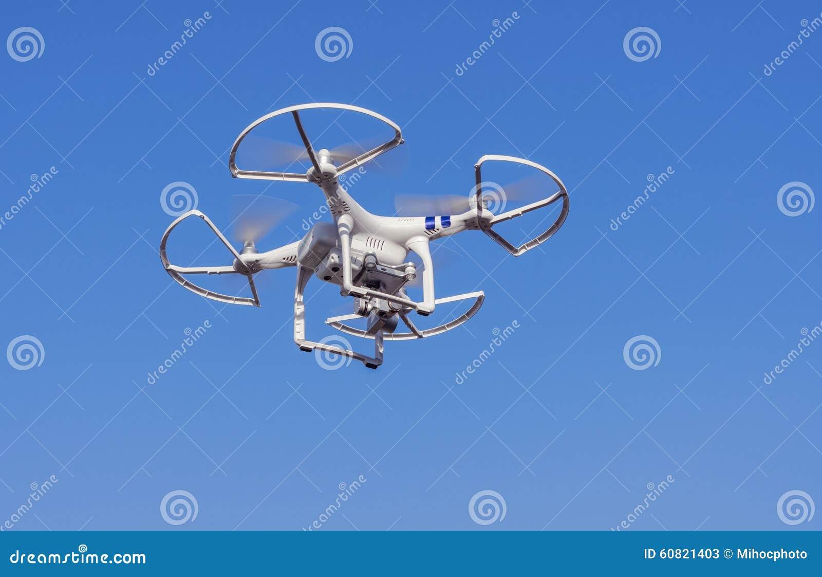 Zangão do voo com câmera