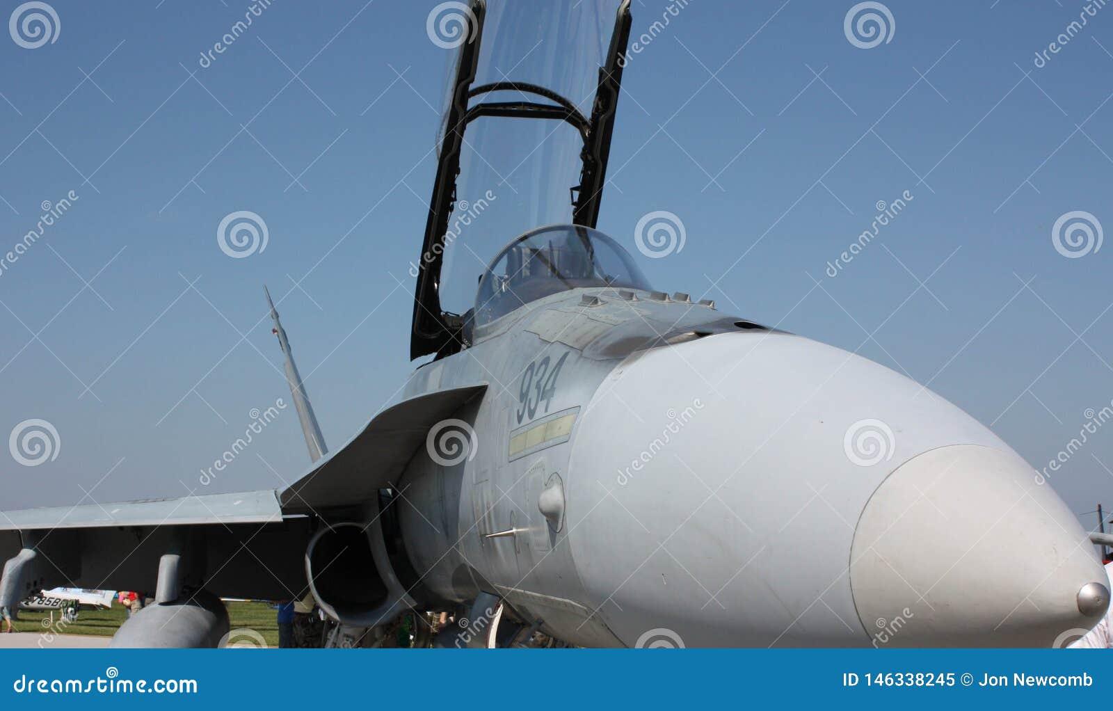 Zangão F-18 no festival aéreo de Cleveland