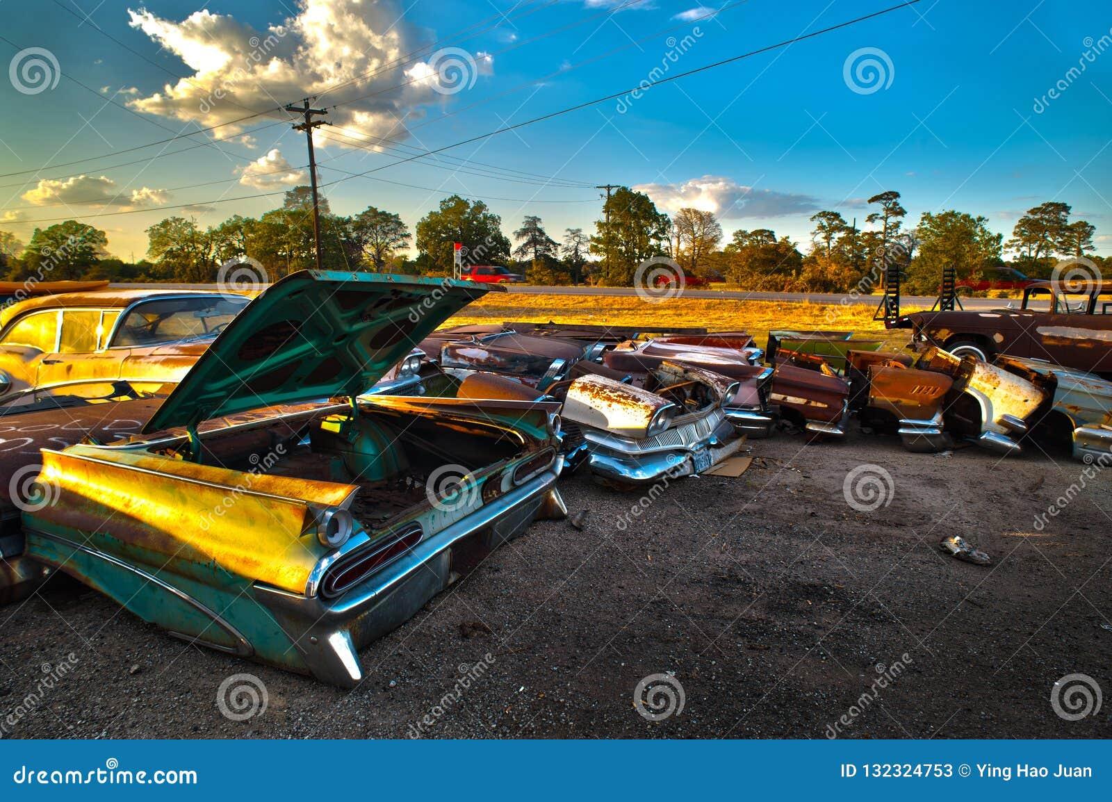 Zaniechanego rocznika Samochodowy udział blisko Austin Teksas