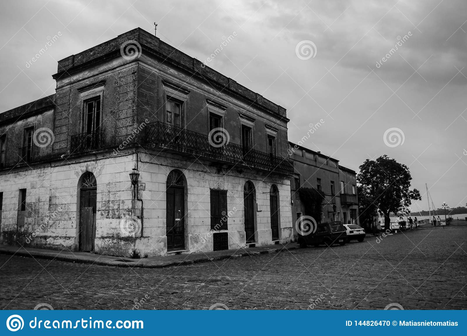 Zaniechany budynek w historycznym s?siedztwie Urugwaj