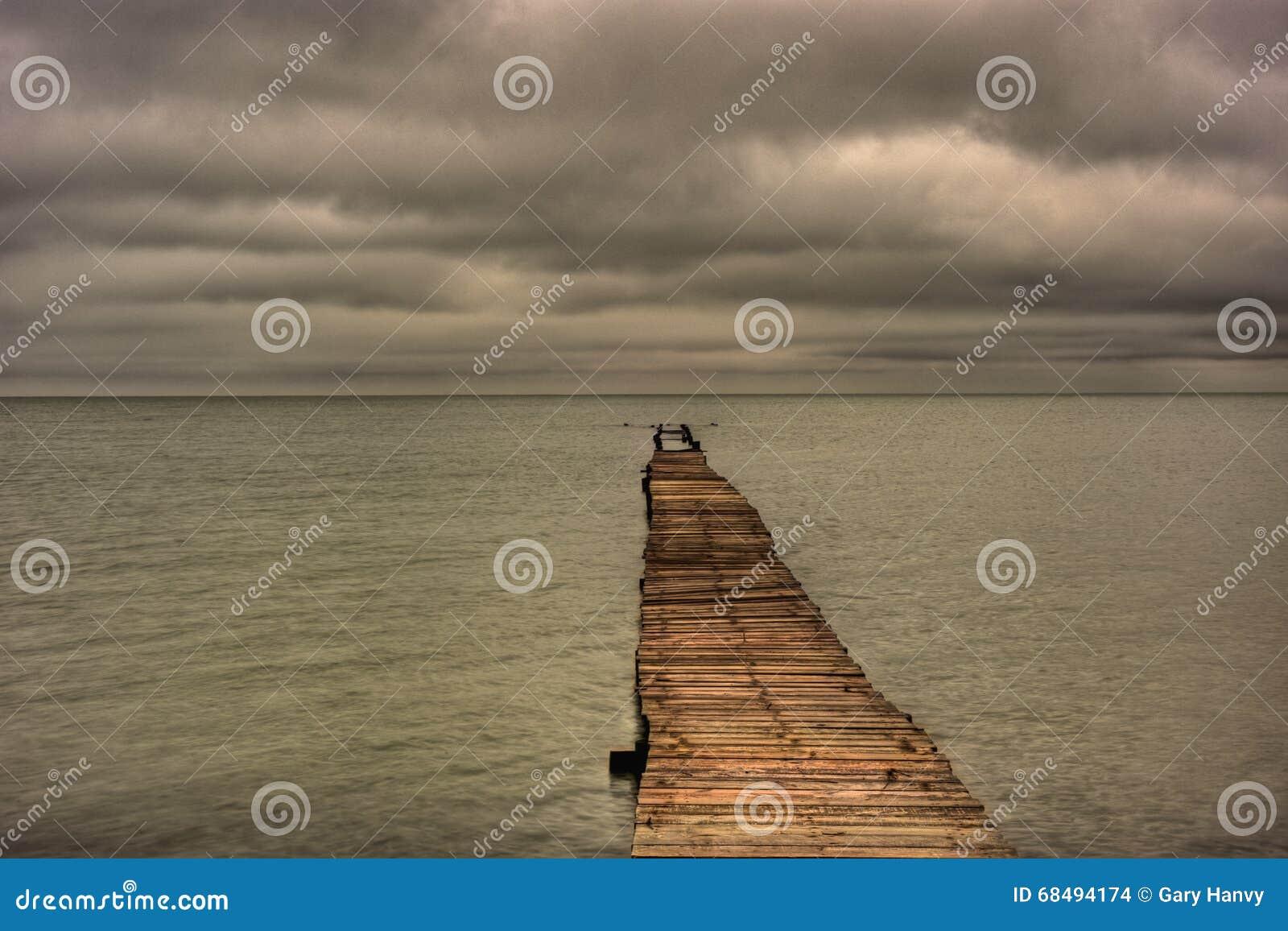 Zaniechany molo Rozciąga Out W zatokę meksykańską