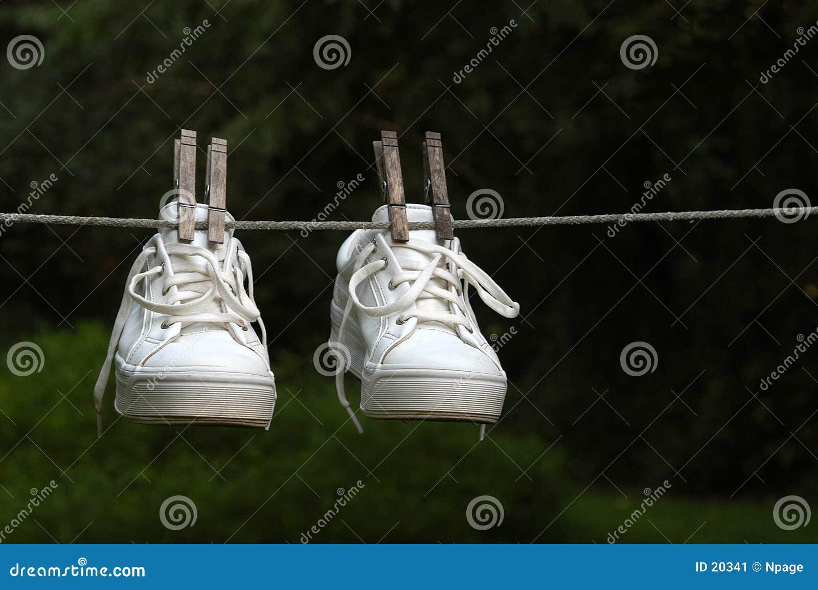 Zapatillas de deporte mojadas
