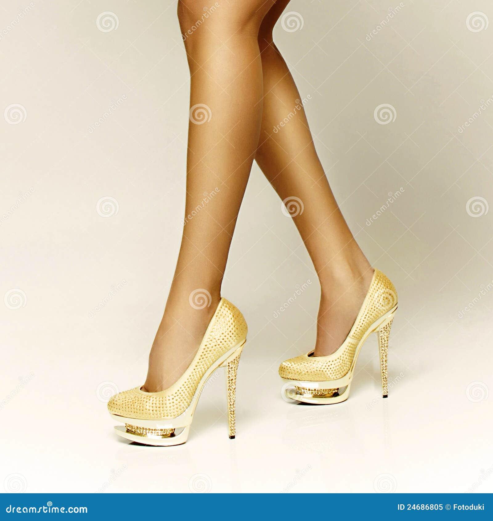 Muchacha La Oro De Del Zapatos Atractivos wqEpCCt