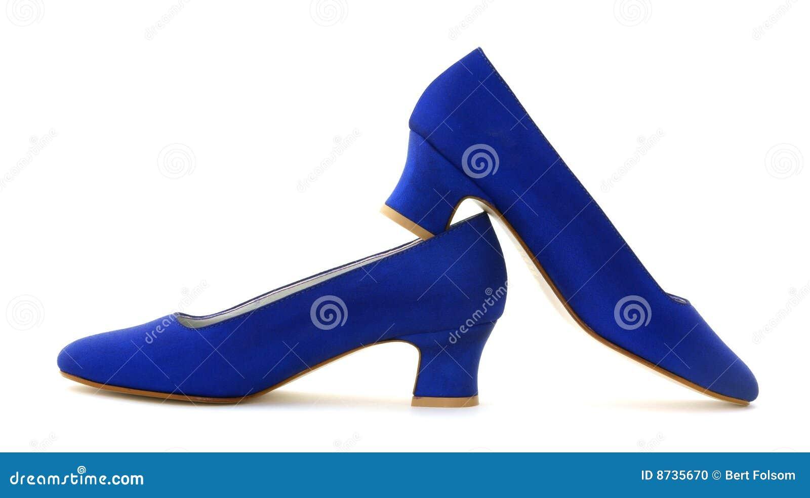 ad315332f Zapatos azules de la mujer foto de archivo. Imagen de tela - 8735670