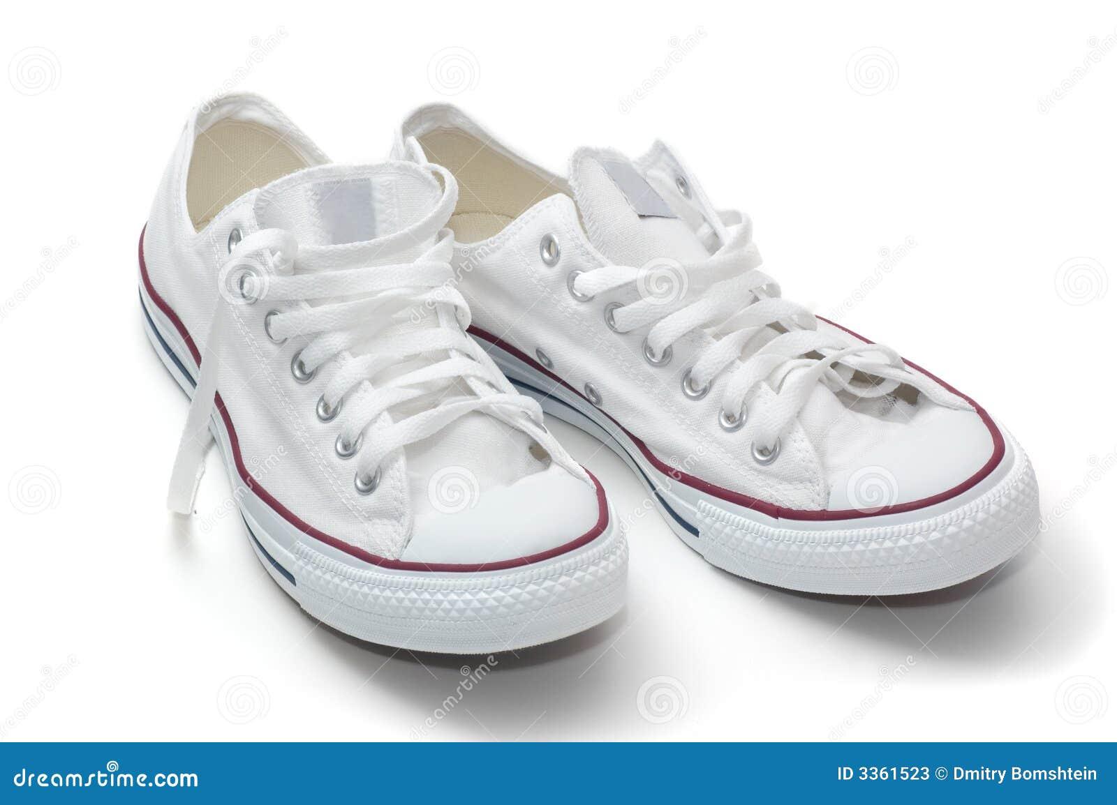 Zapatos blancos del deporte