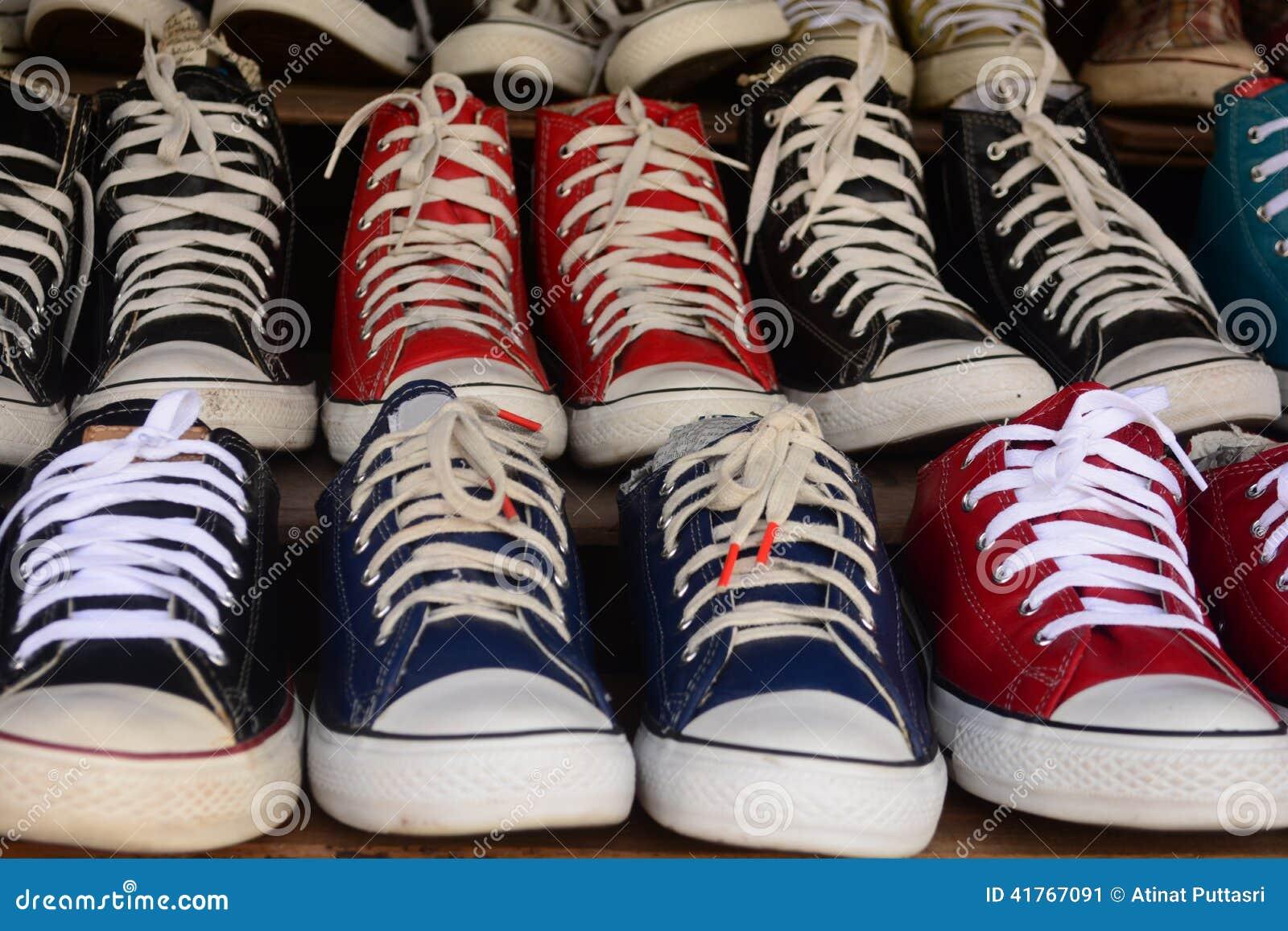 zapatos de la segunda mano foto de archivo - imagen: 41767091 - Segunda Mano